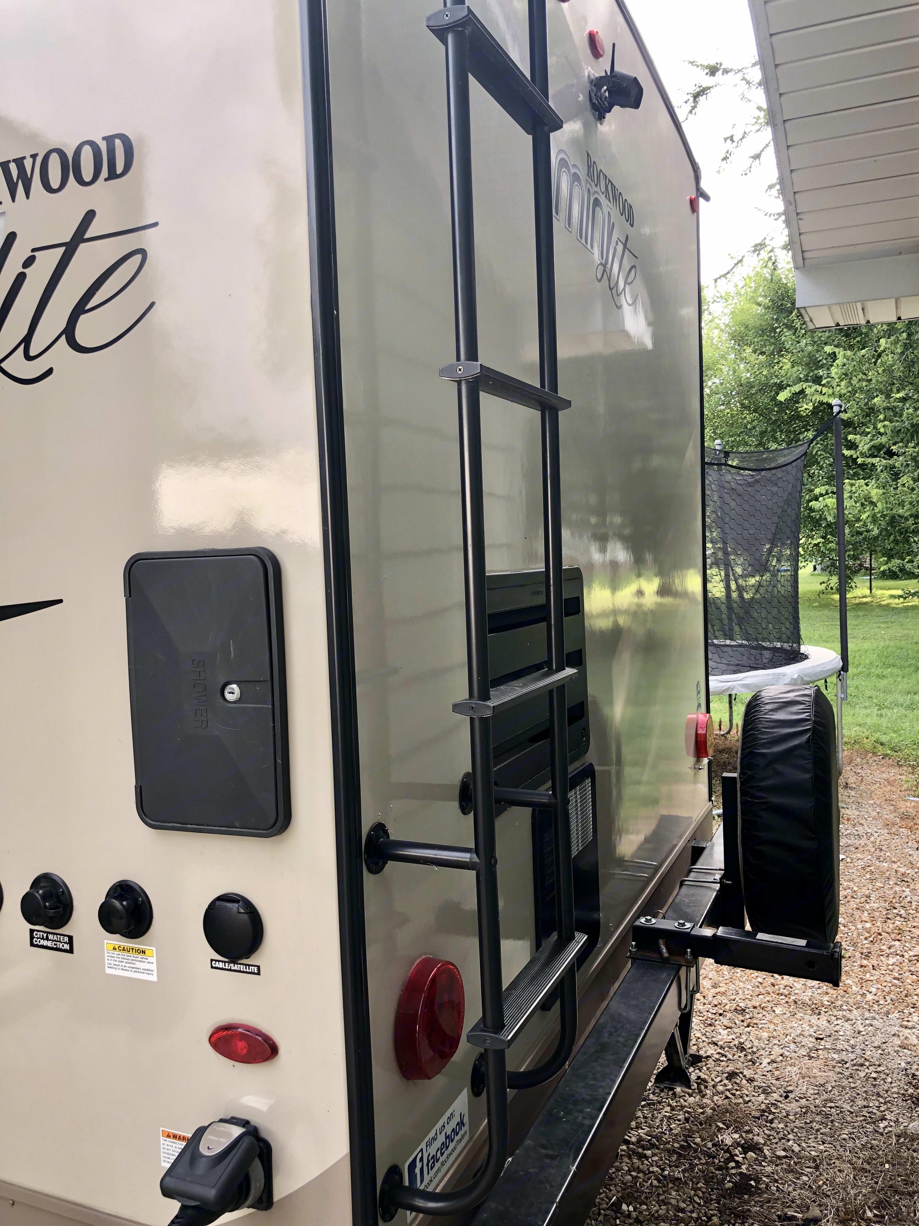 Forest River Rockwood Mini Lite 2018