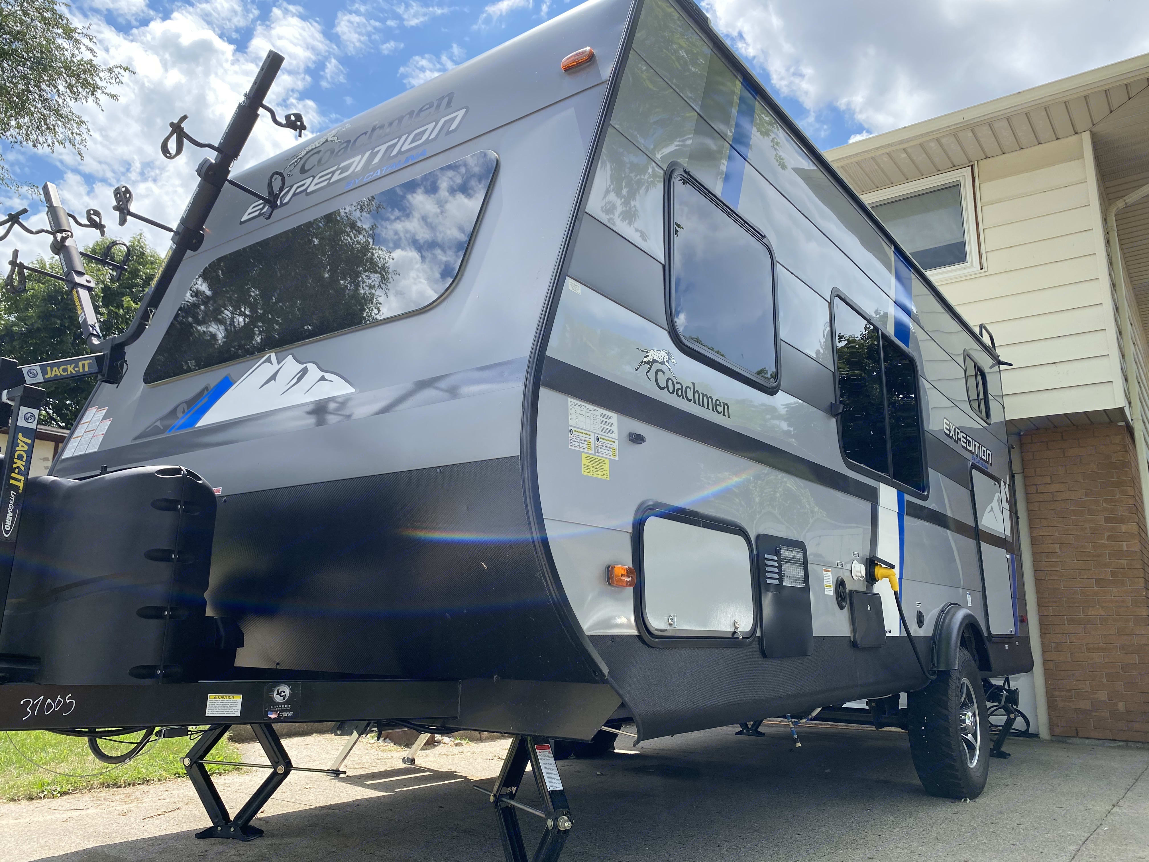 side view with access to undercarriage storage. Coachmen Catalina 2020