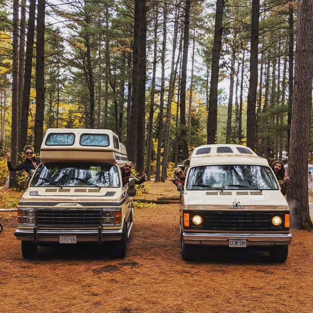 """Clifford and his convoy buddy """"Ricky""""in Algonquin.. Dodge Dodge Bighorn 3500 Heavy Duty 1985"""