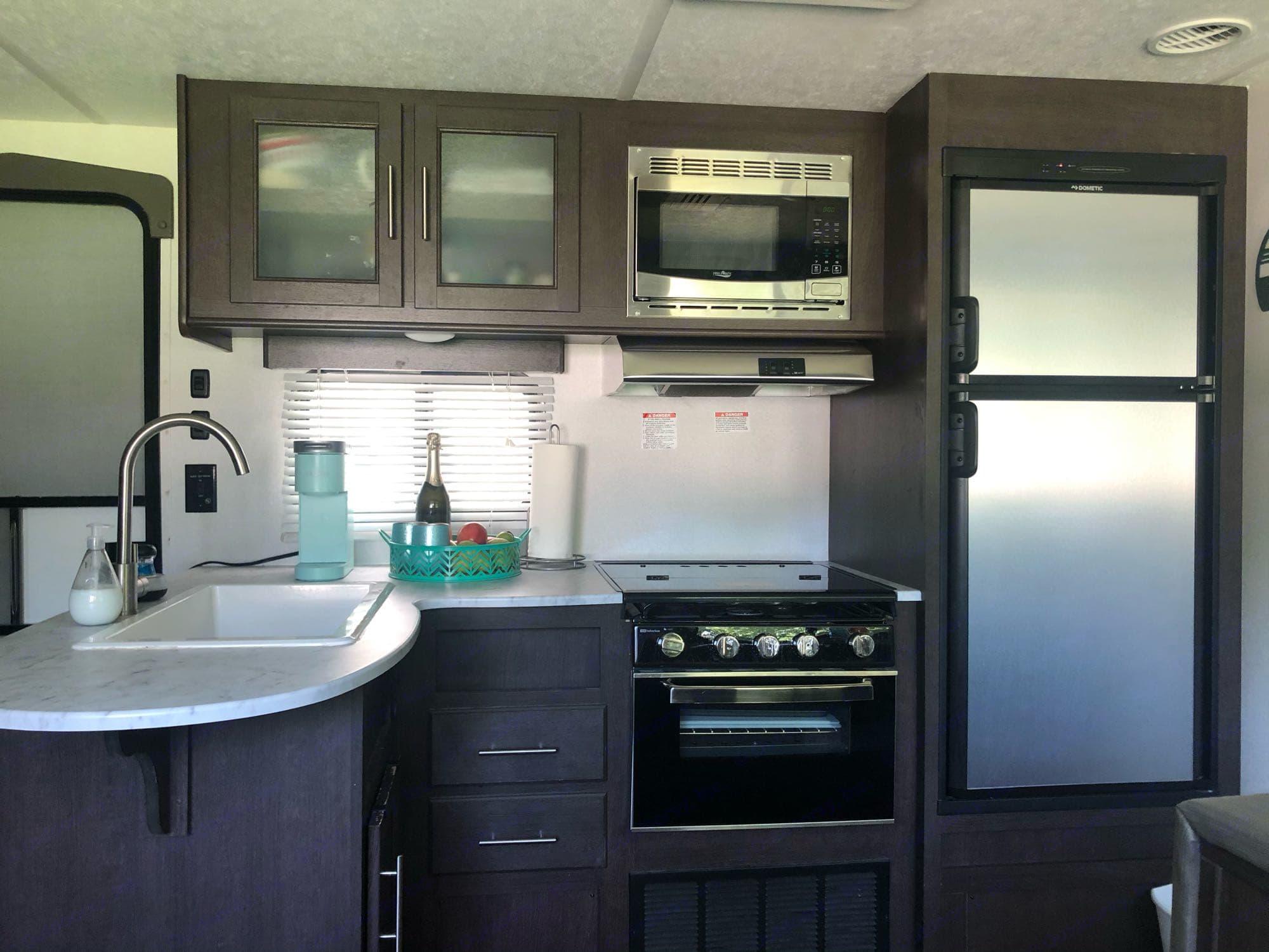 kitchen. Forest River Wildwood X-Lite 2019