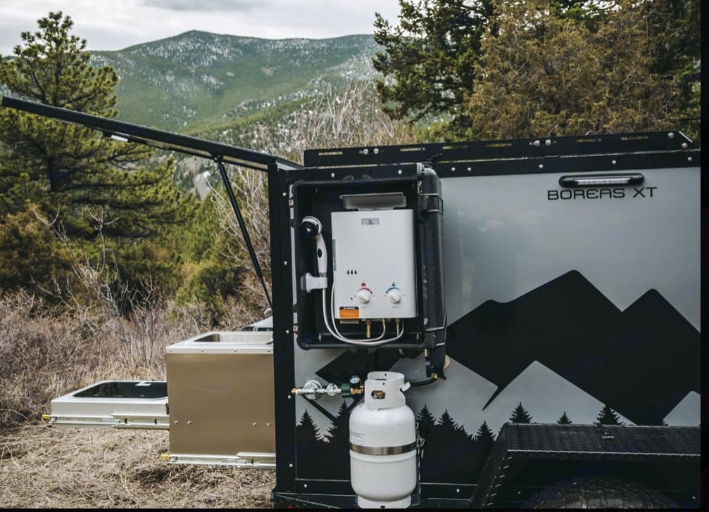 On demand hot water shower. Into the Wild Boreas MXT 2019