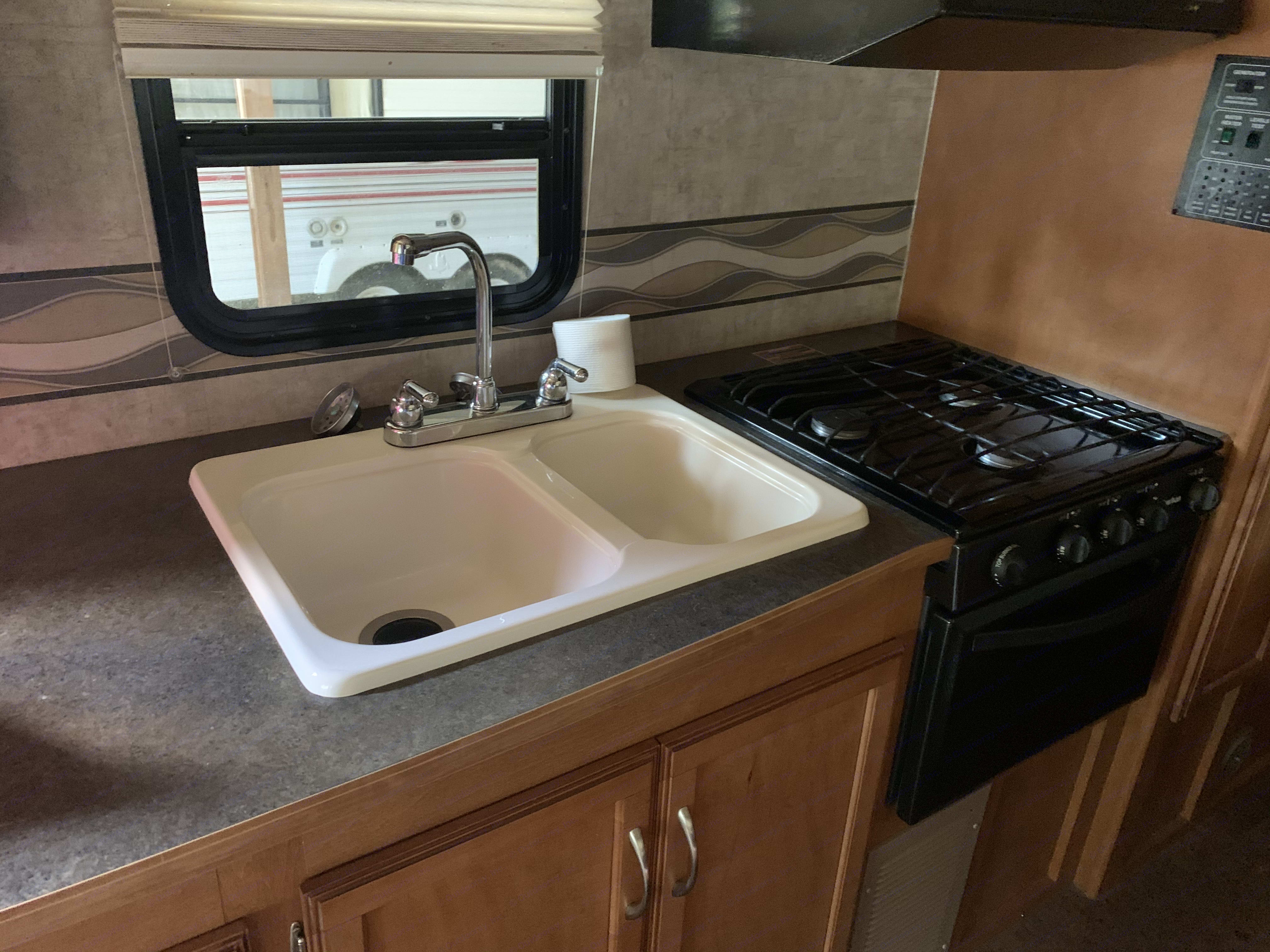 stove and sink. Winnebago Minnie Winnie 2016