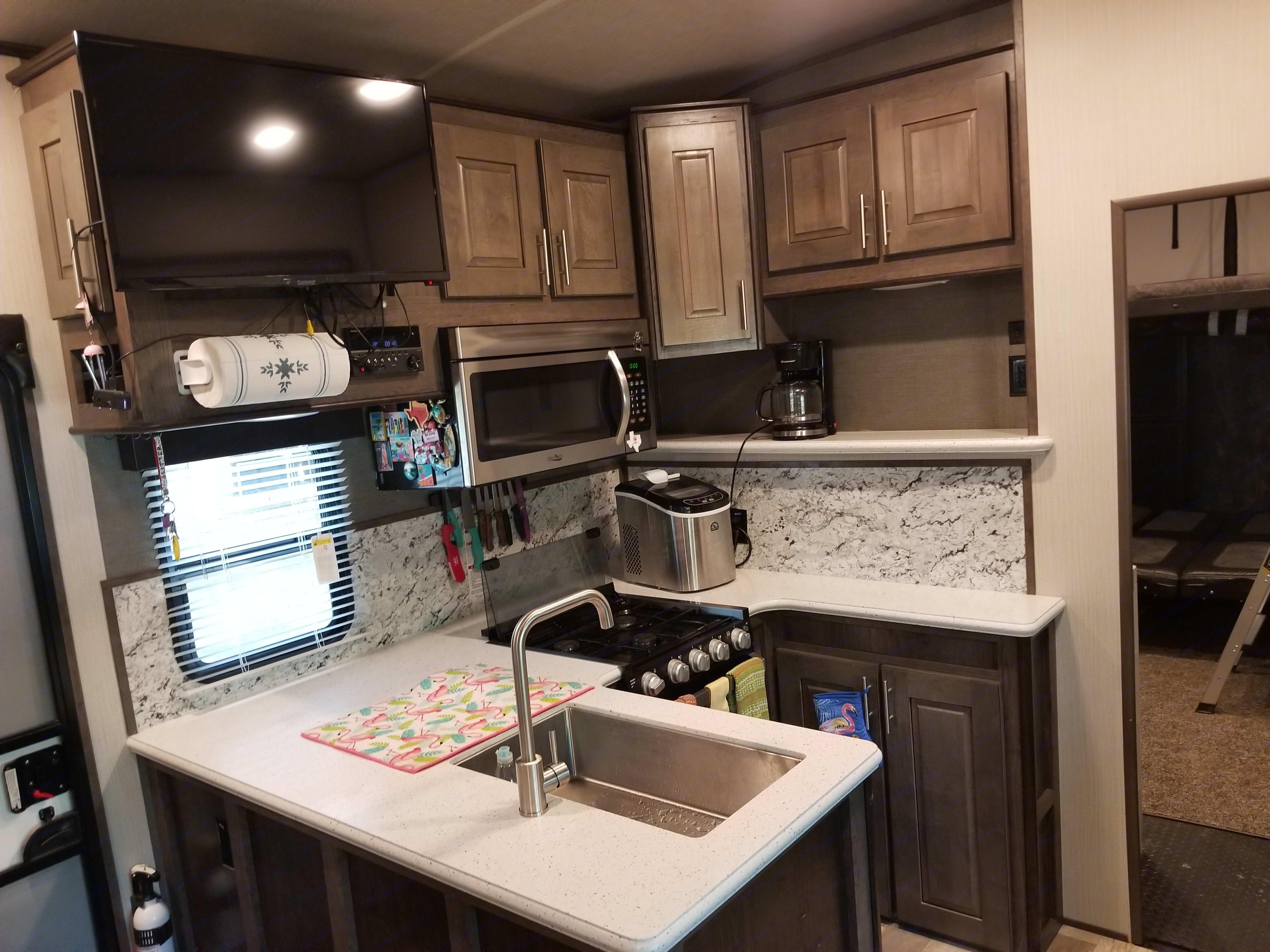 Beautiful kitchen!. Heartland Torque 2019