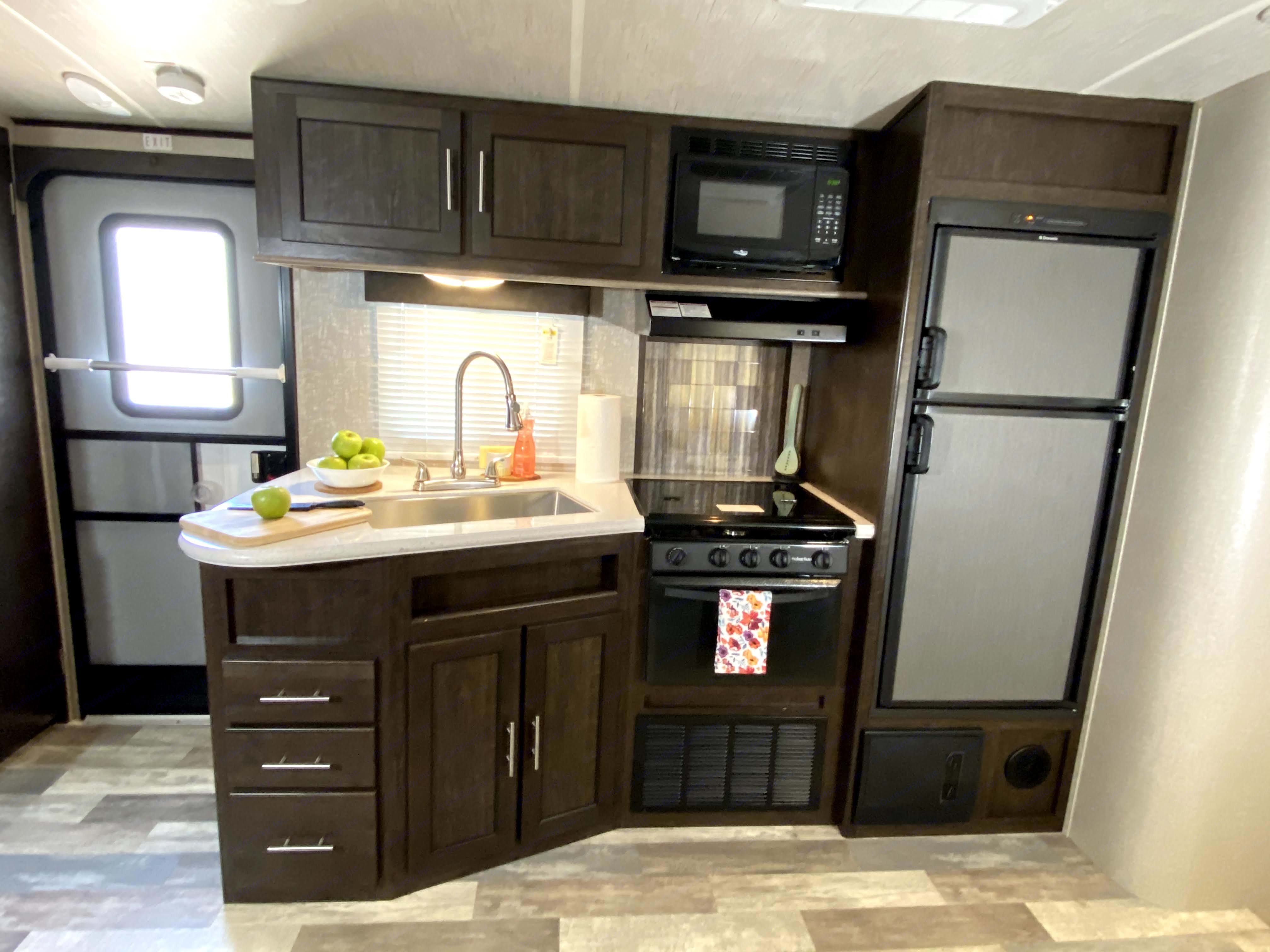 Home away from home, and on wheels!. Cruiser Rv Corp Fun Finder 2017