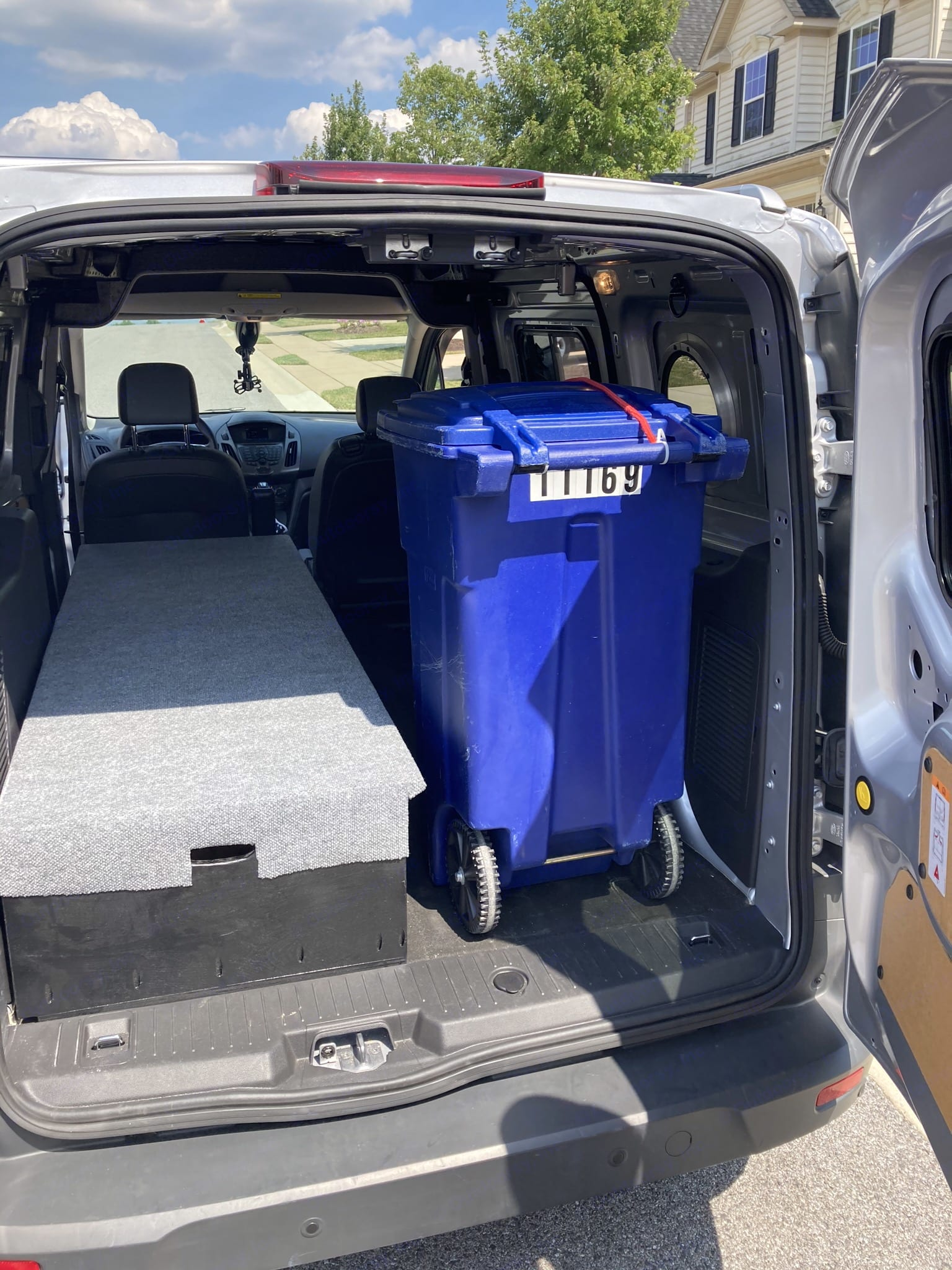 Recycling bin, for an idea of what will fit.... Ford Transit Custom 2018