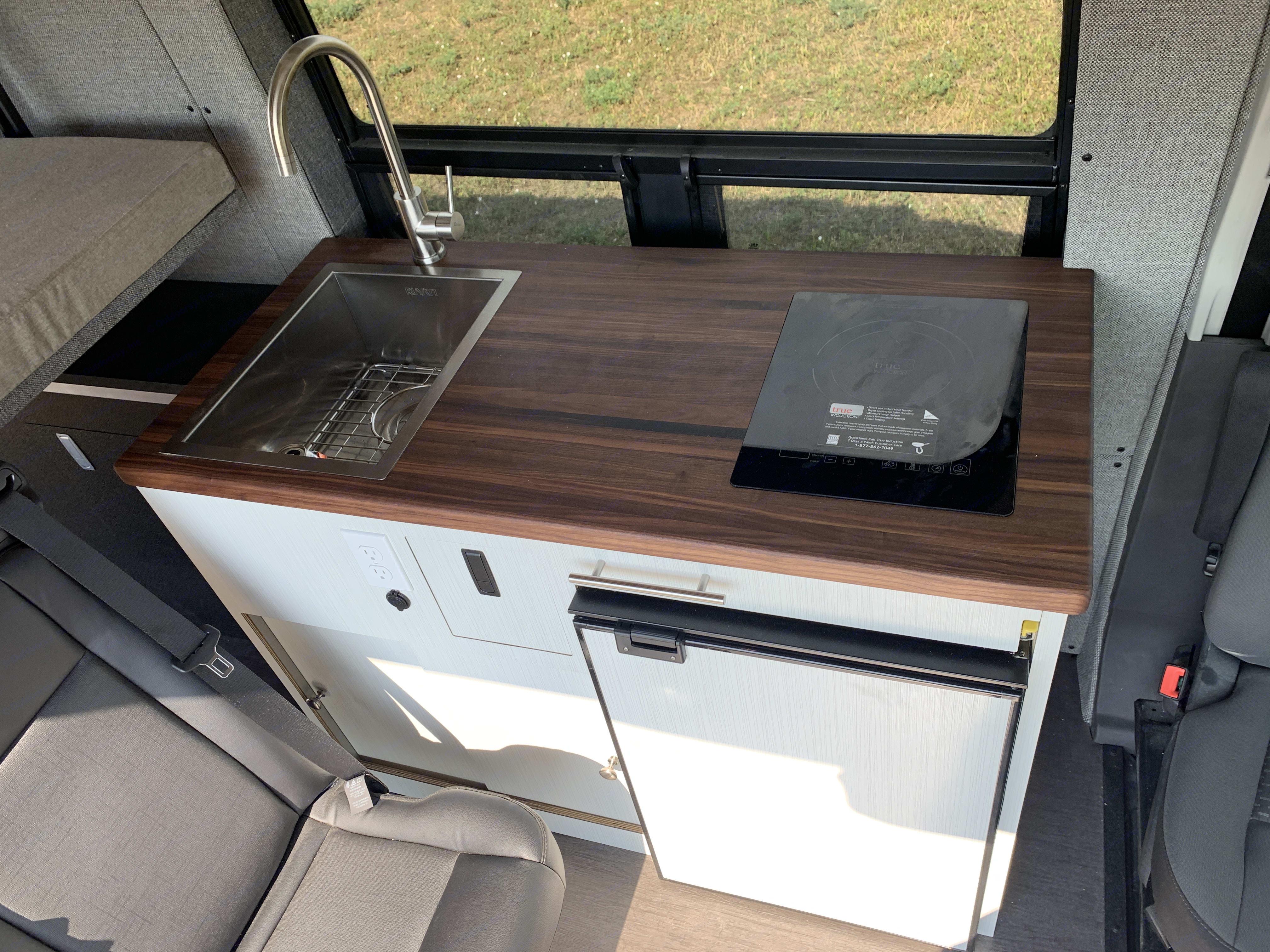 Full Kitchen. Ford Transit 2020