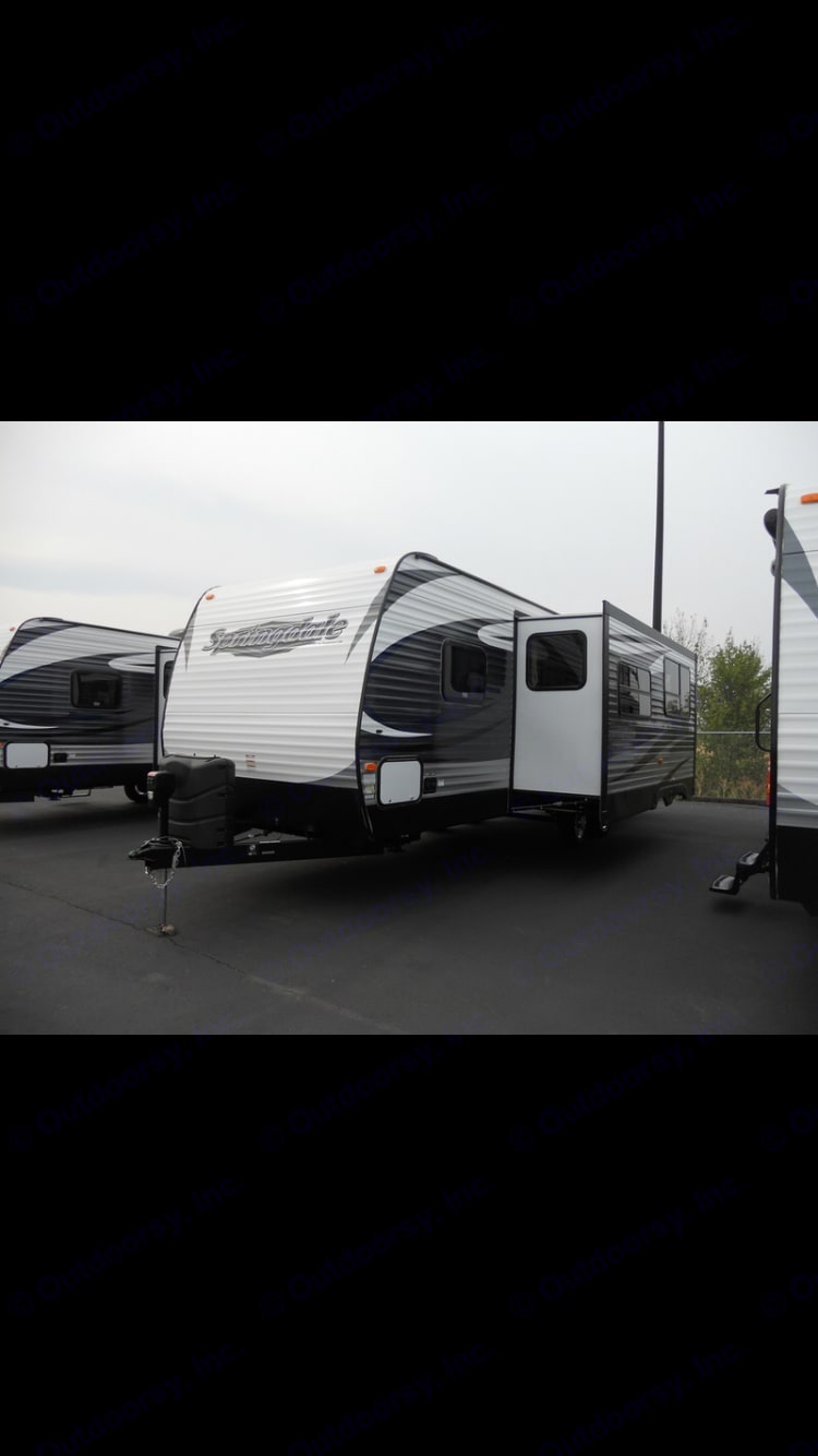 Huge slide out give the interior TONS OF SPACE. Keystone Springdale 2015