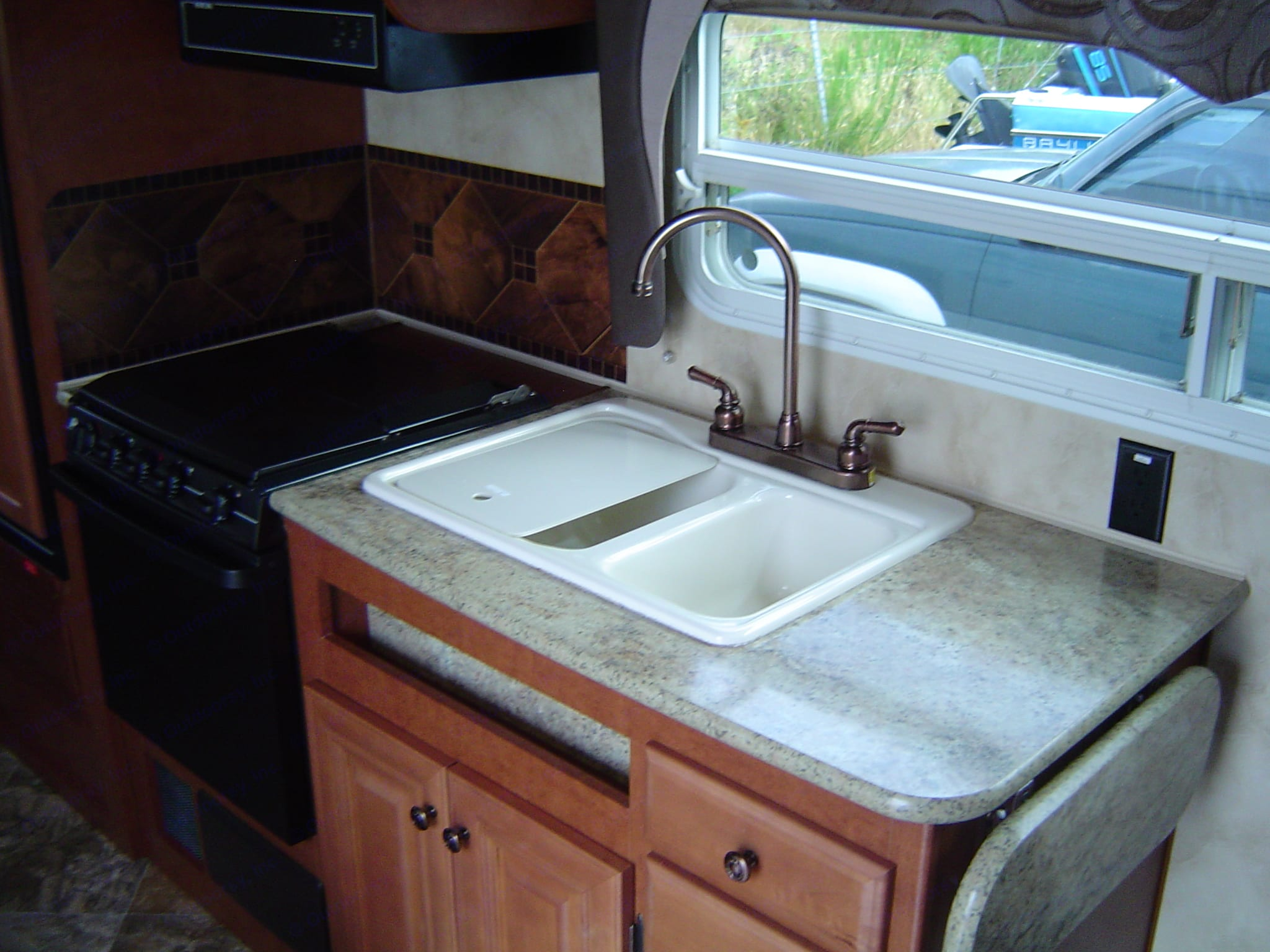 Kitchen. Northwood Mfg Arctic Fox 2013