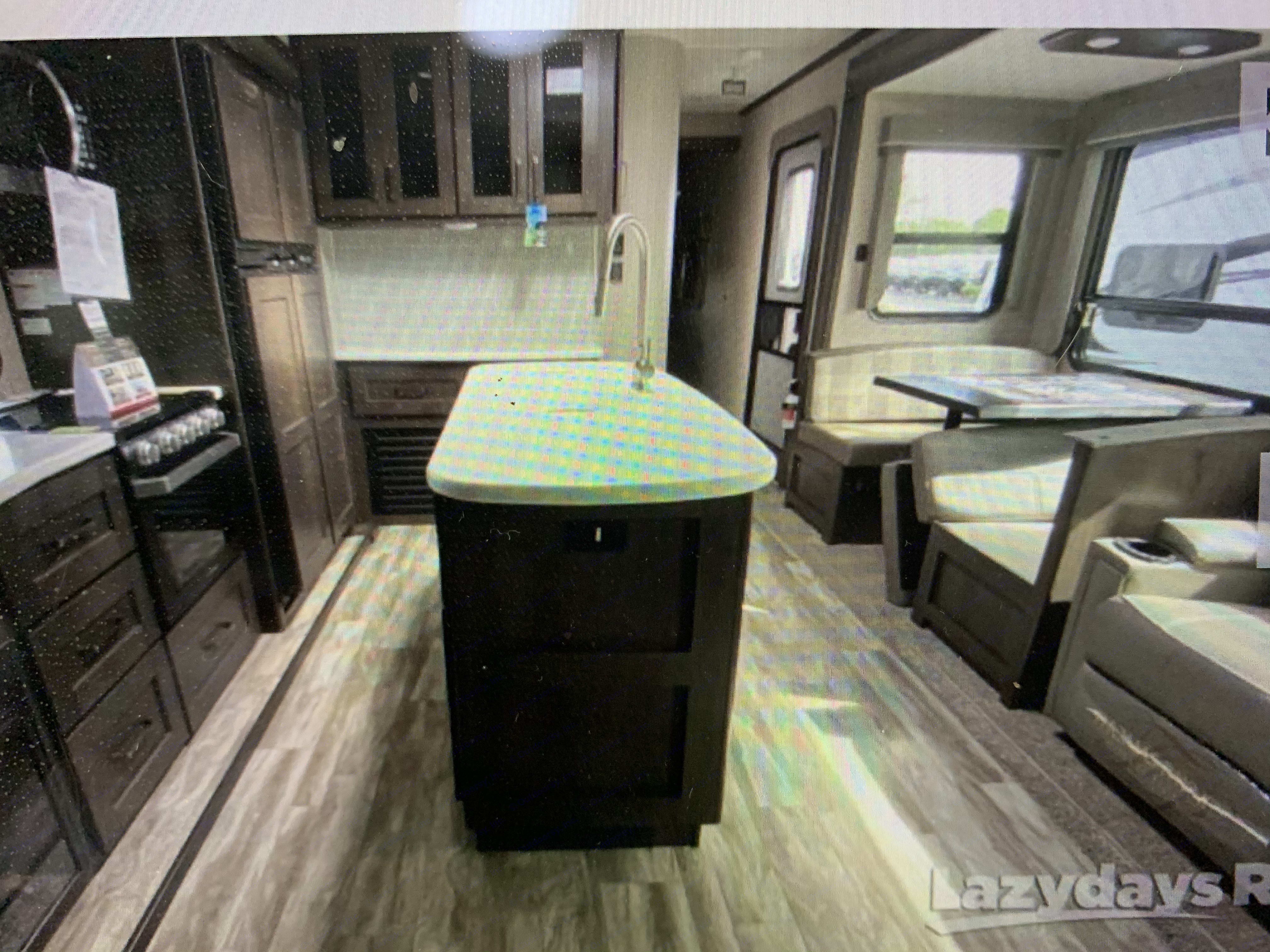 Full Kitchen with Island. Grand Design Reflection 2021