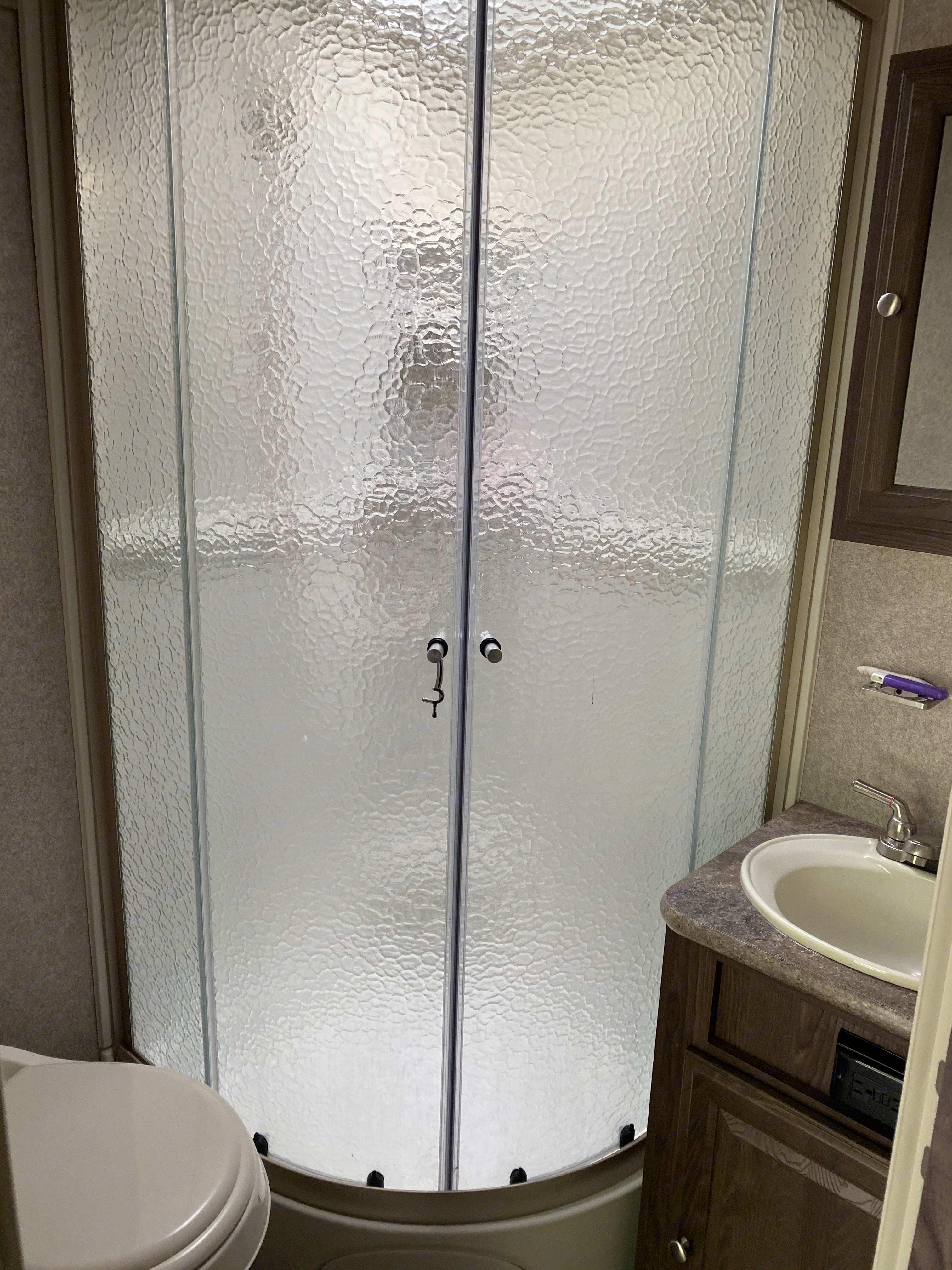 Shower, toilet, sink. Micro lite Flagstaff 2017