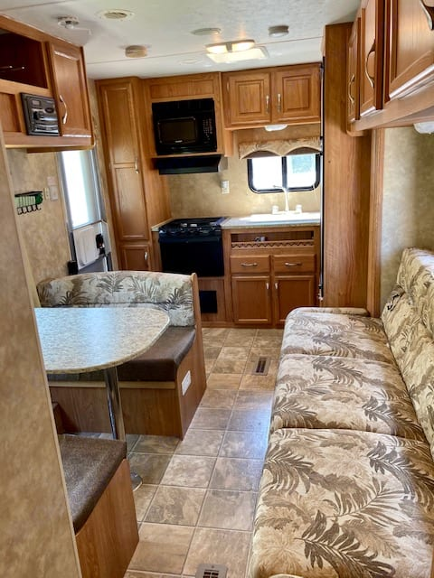 Living/Dining/Kitchen. Jayco Jay Flight 2008