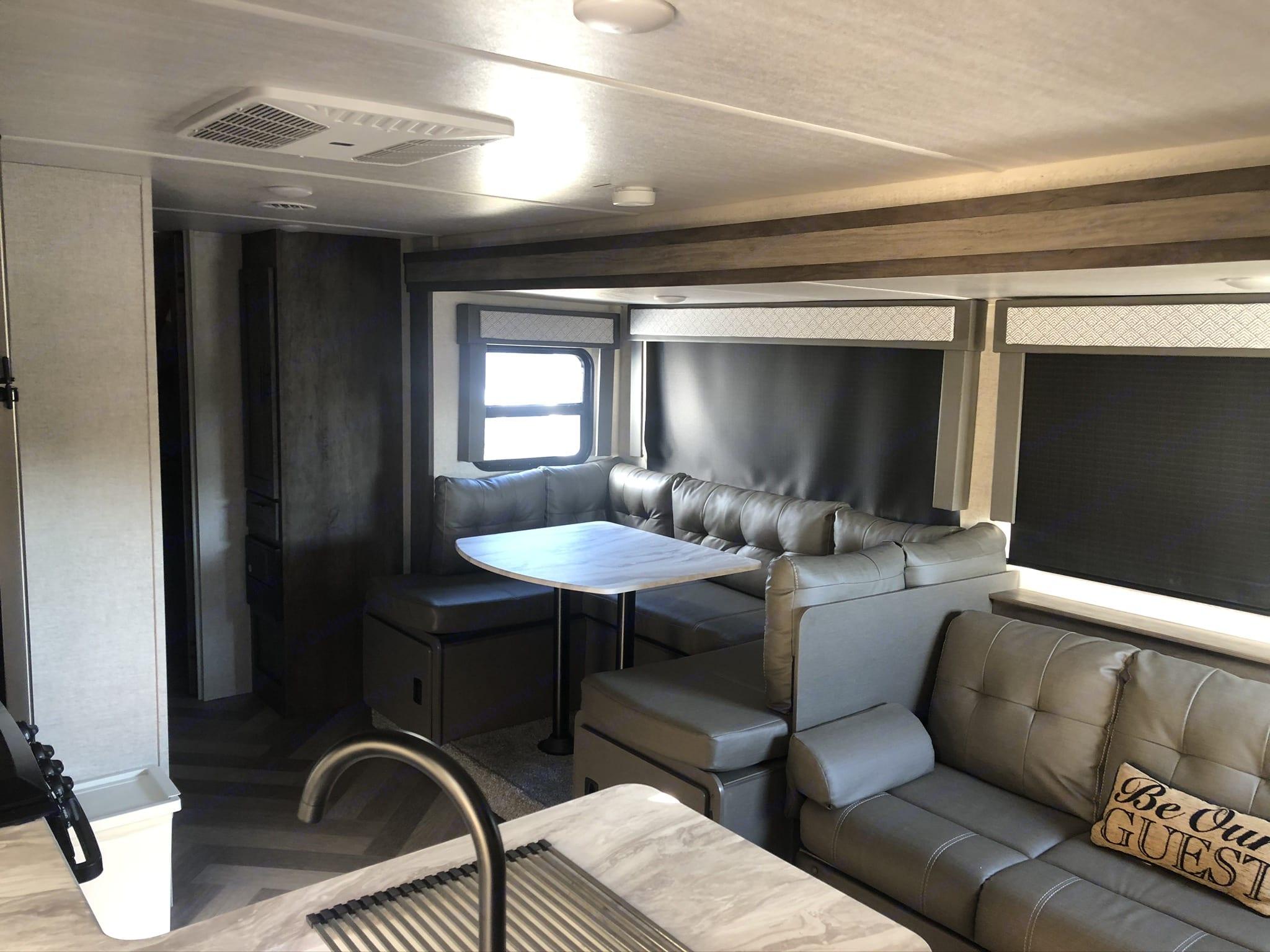 jackknife sofa. Forest River Wildwood X-Lite 2020