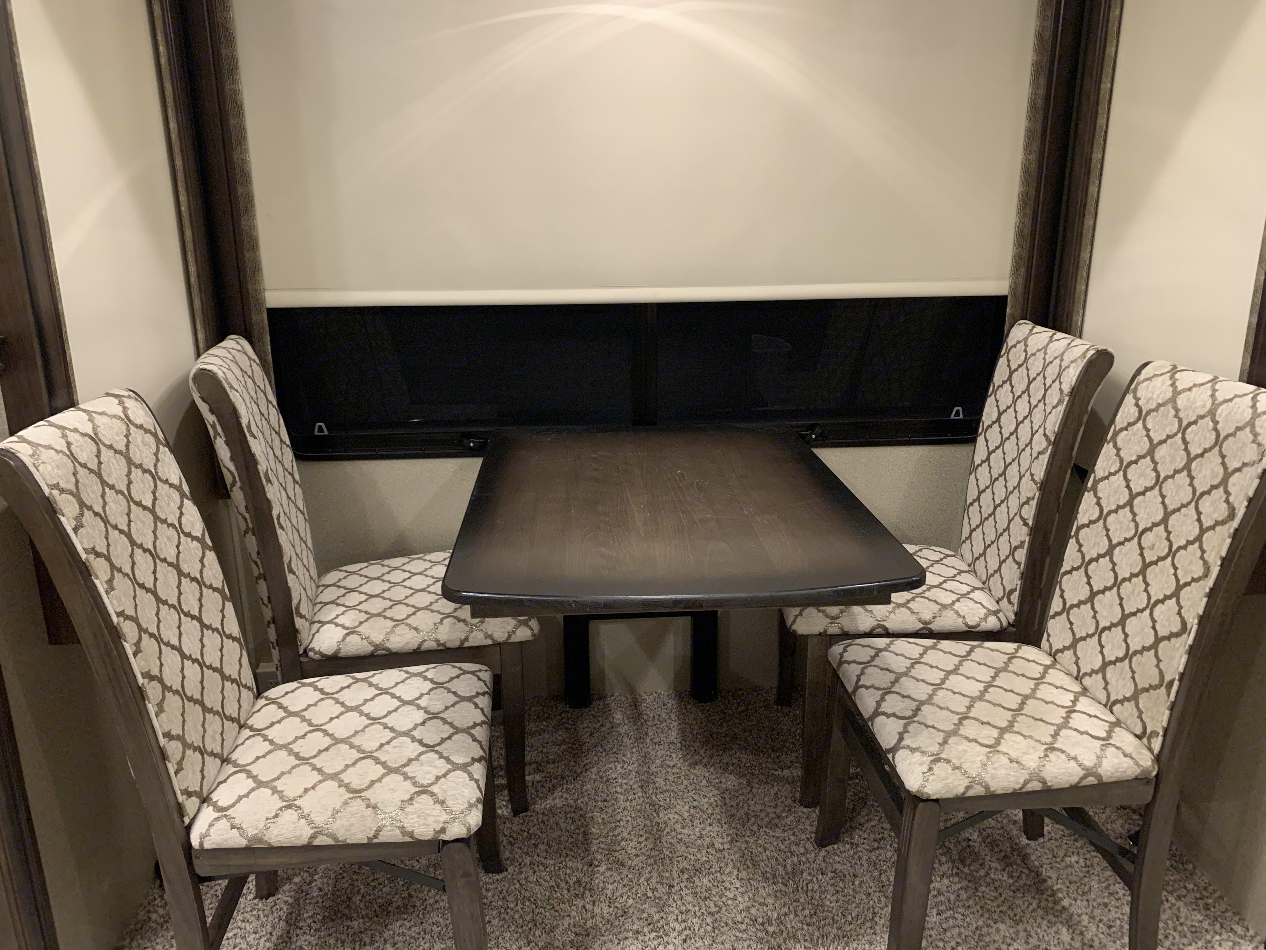 Grand Design Solitude 2018