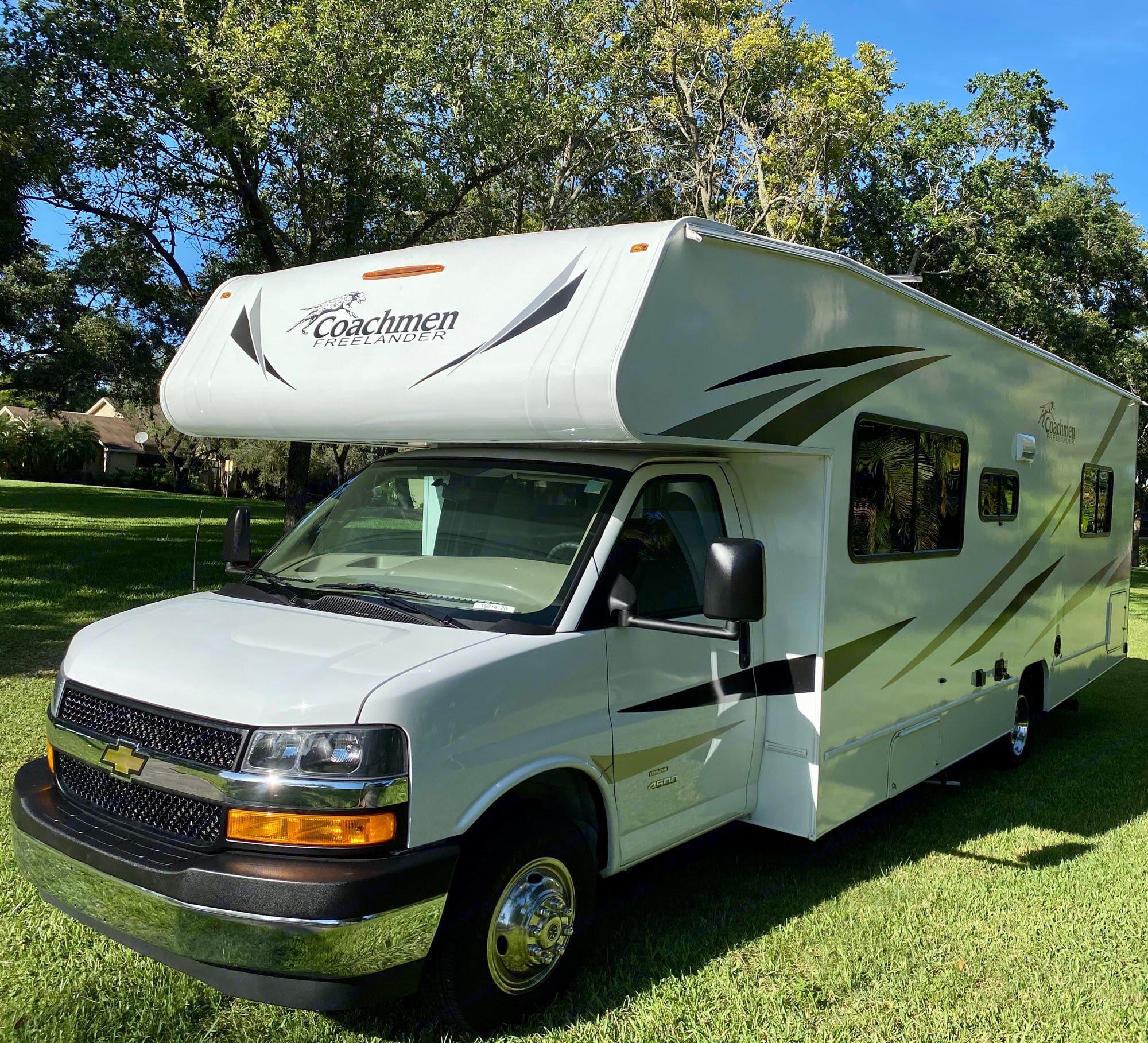 yet compact and spacious Class C RV.. Coachmen Freelander 2020