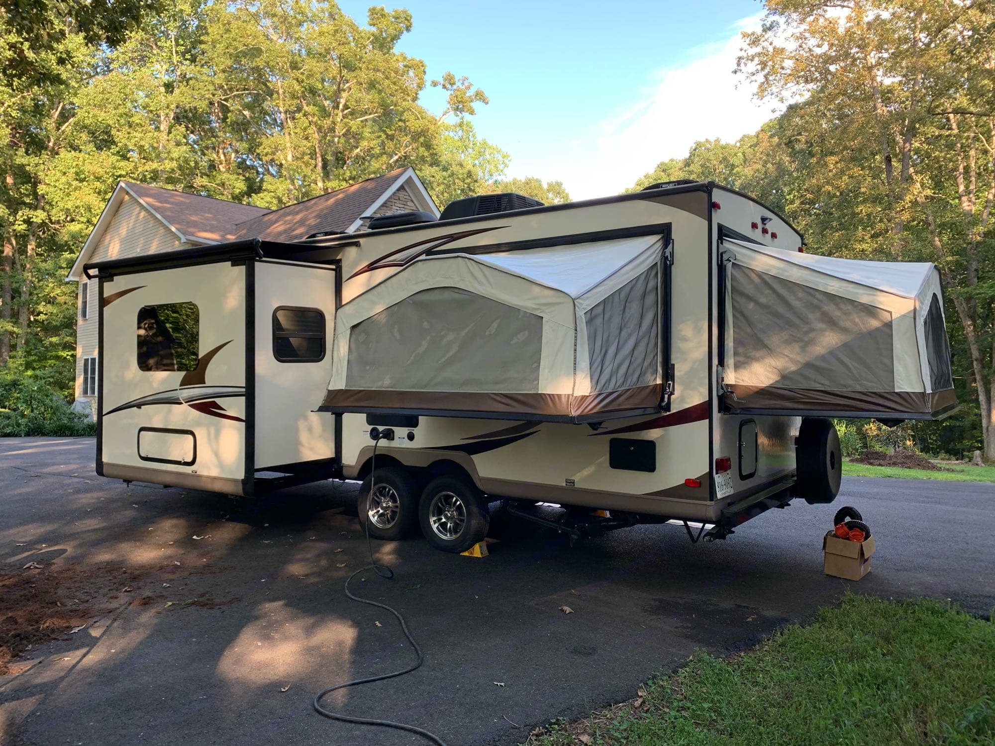 3 queen beds and one slide. Forest River Rockwood Roo 233S 2018