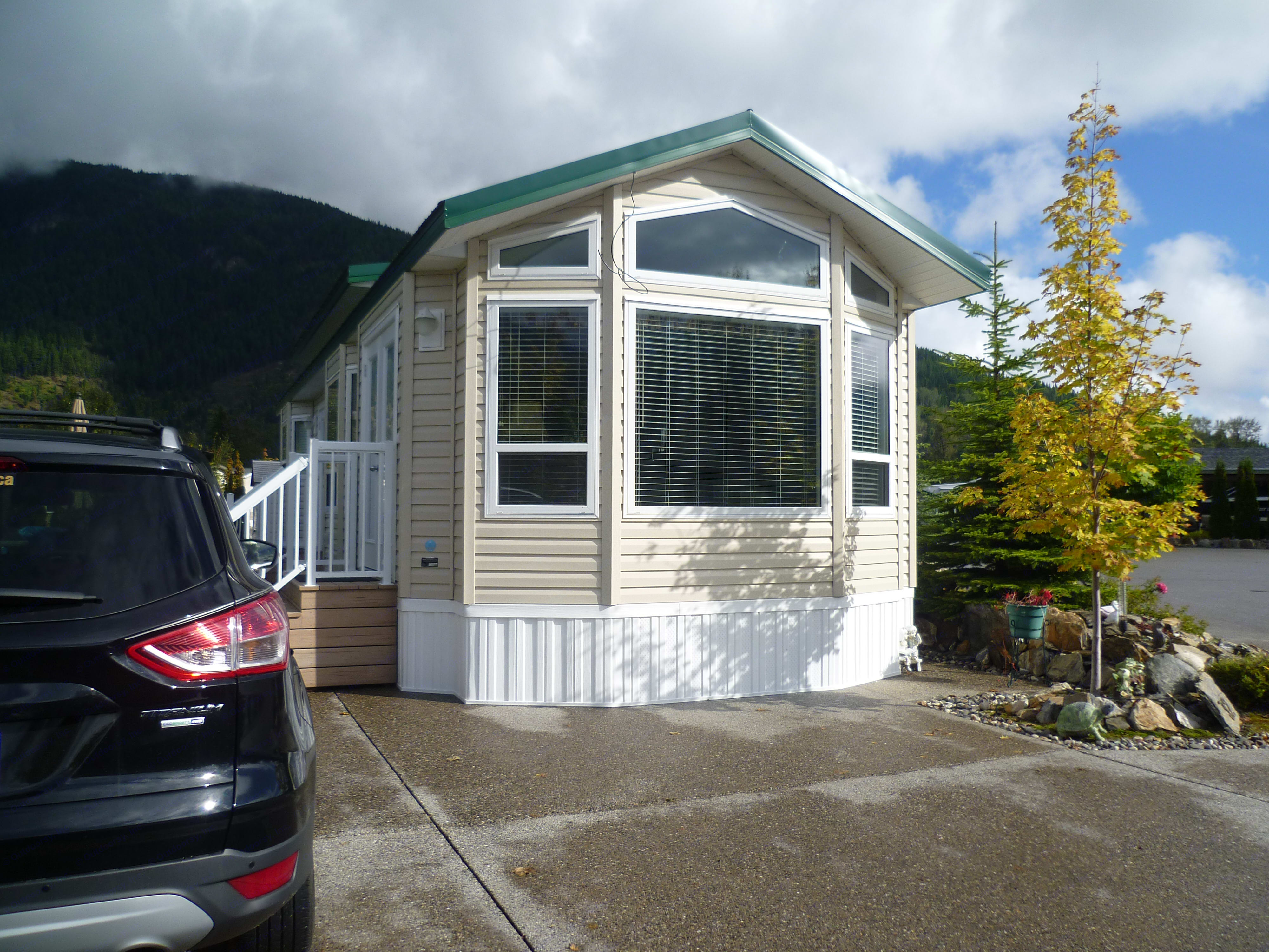 Your Home away from home!. Flexihome Loyds cabin 2013