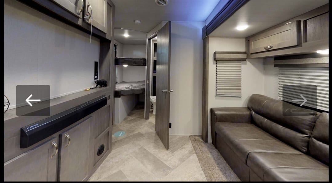 This unit does have a 40 inch tv just not mounted in picture. Forest River Berkshire 2021