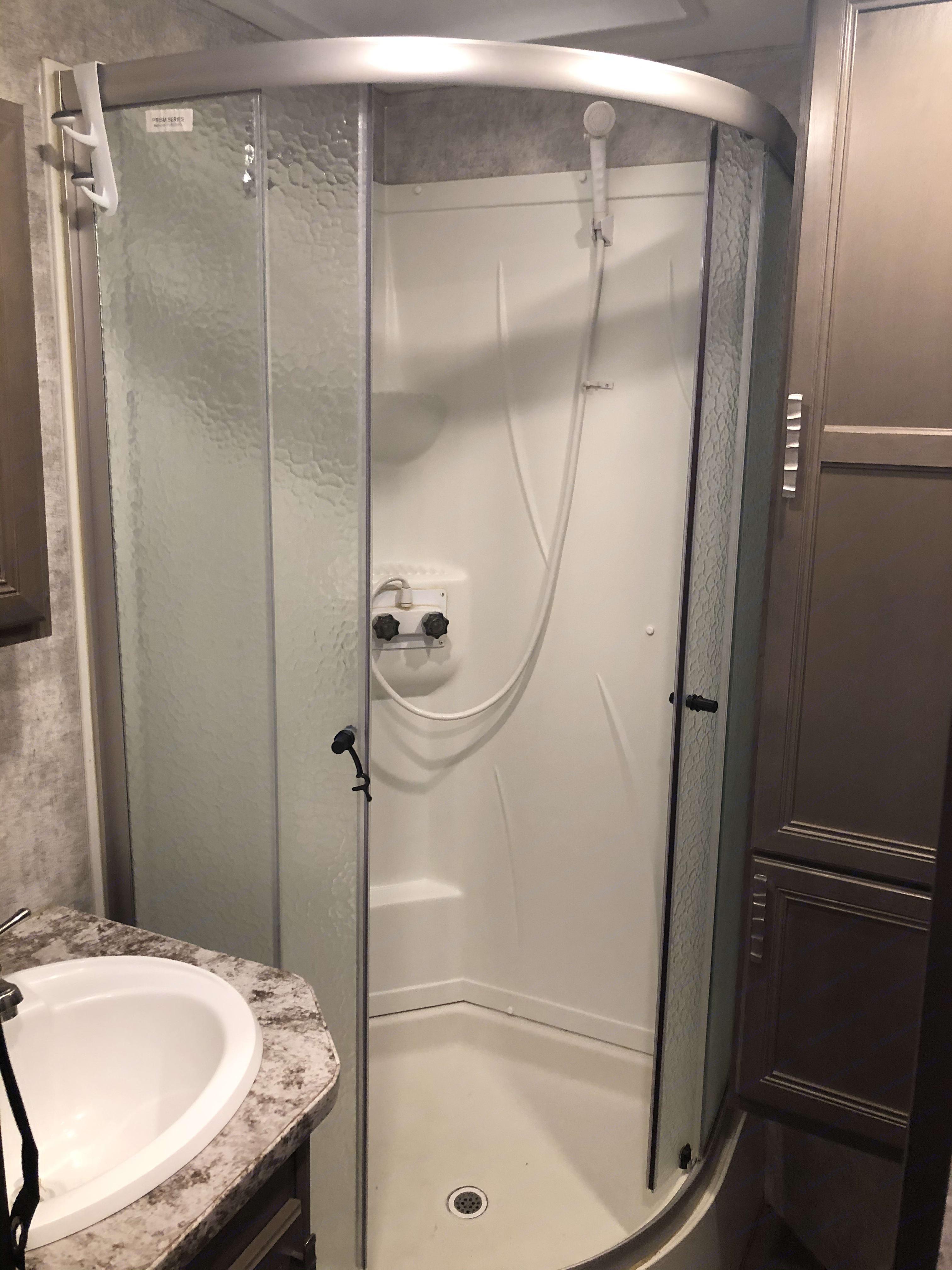 Shower. Open Range Roamer 2017