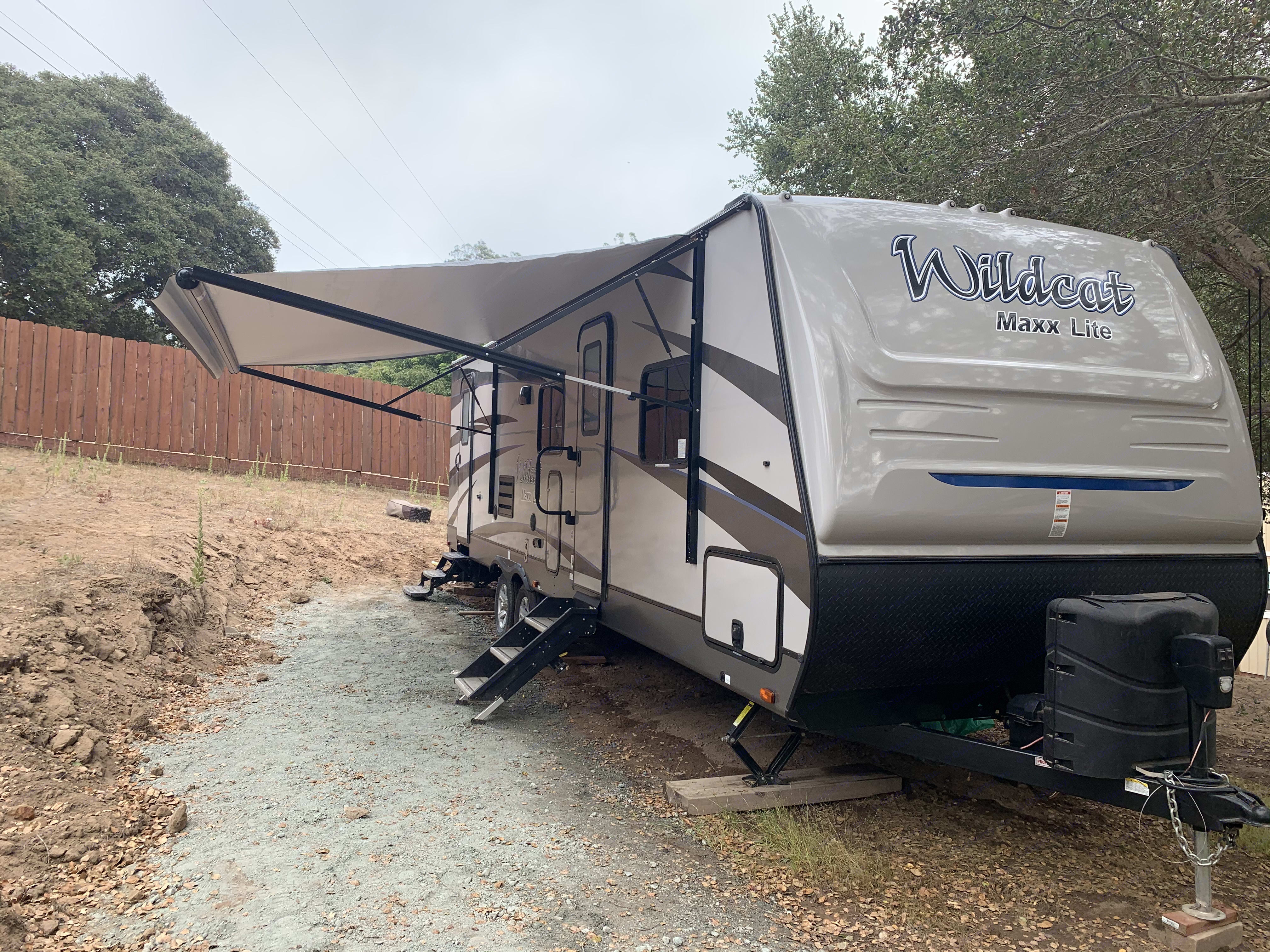 Electric awning. Forest River Wildcat 2019