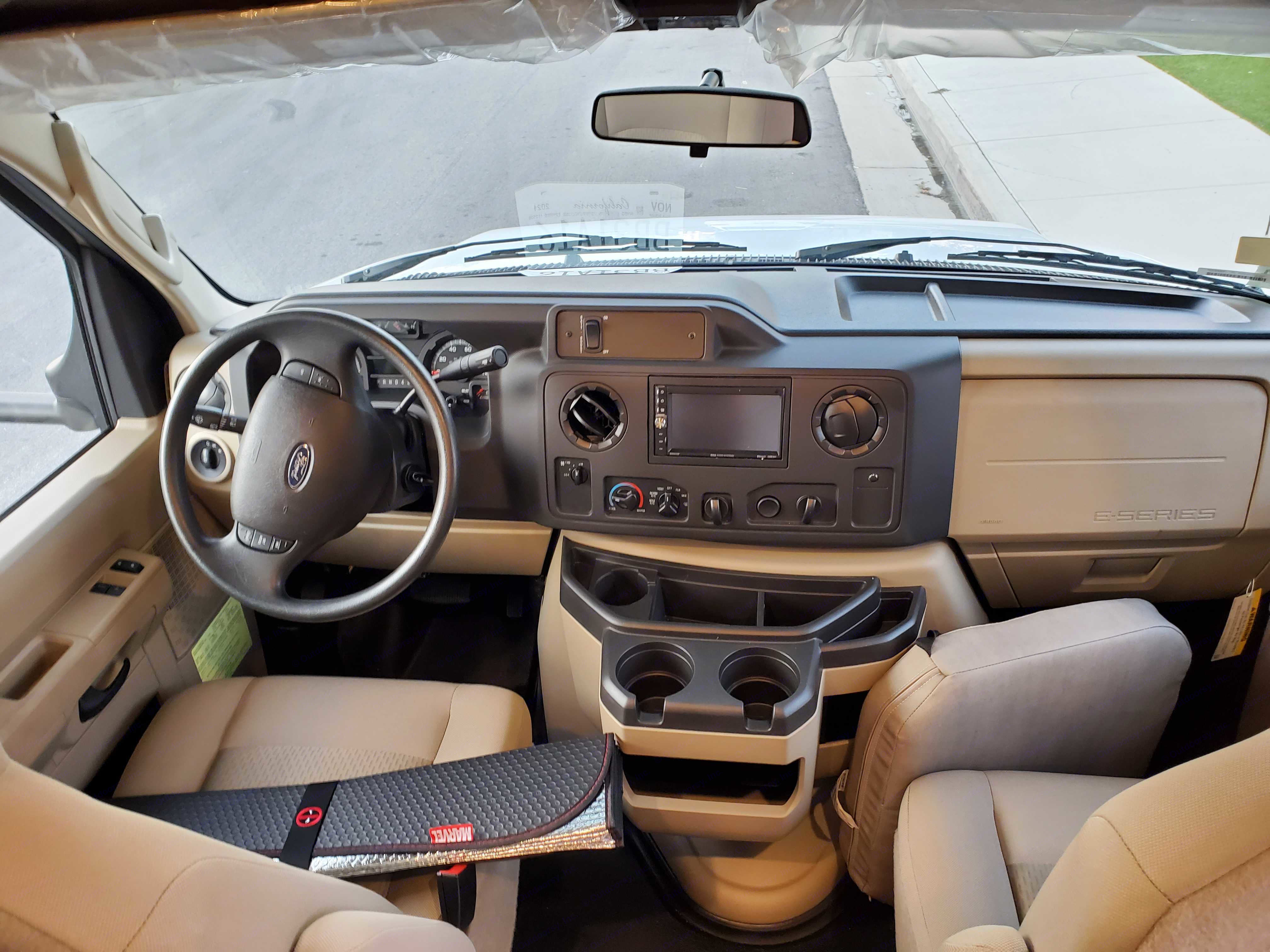 Driver Panel. Winnebago Outlook 2021