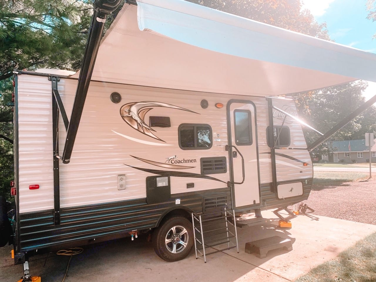 Power awning out. Coachmen Clipper 2018