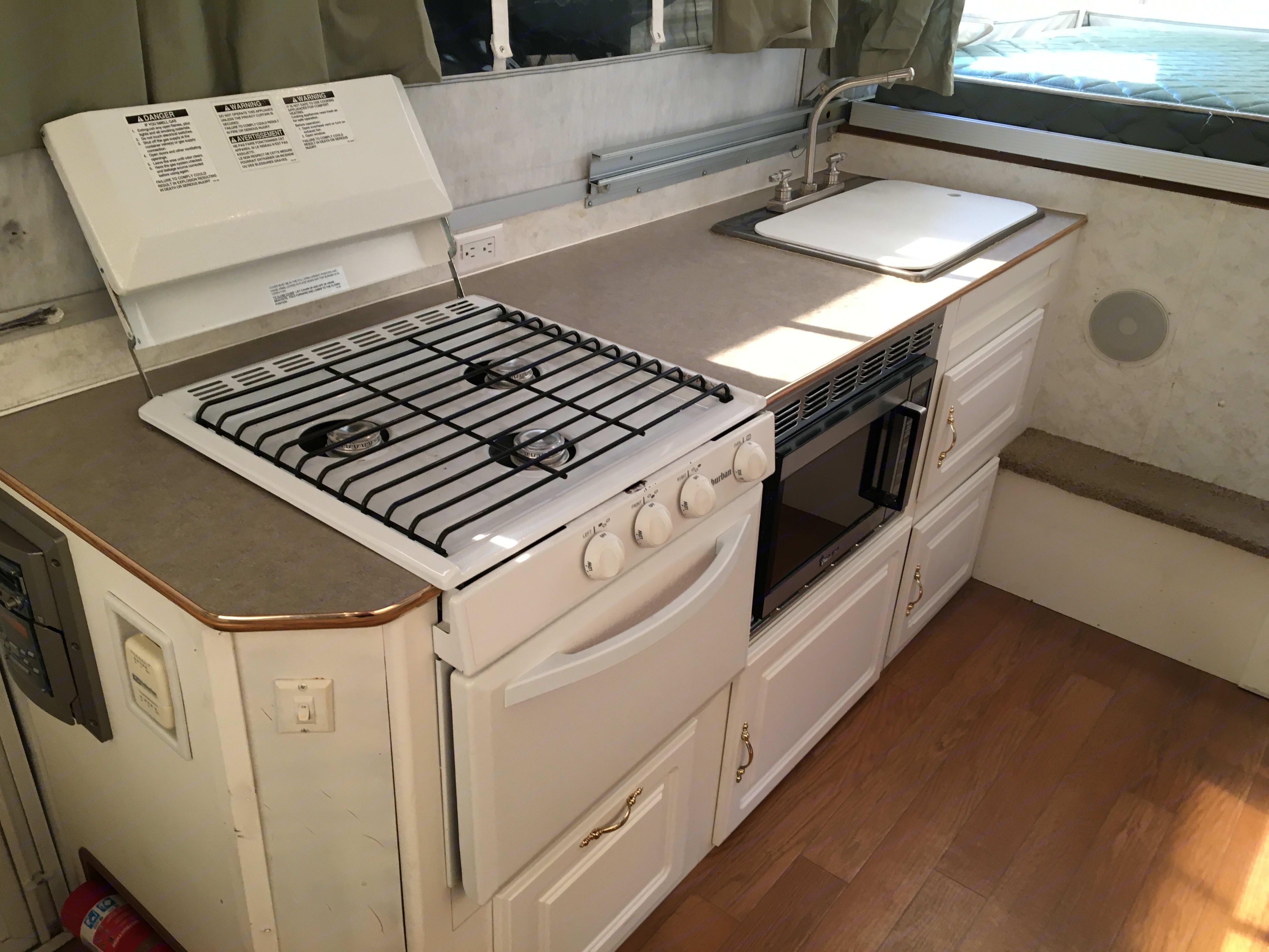 kitchen. Forest River Flagstaff 2004