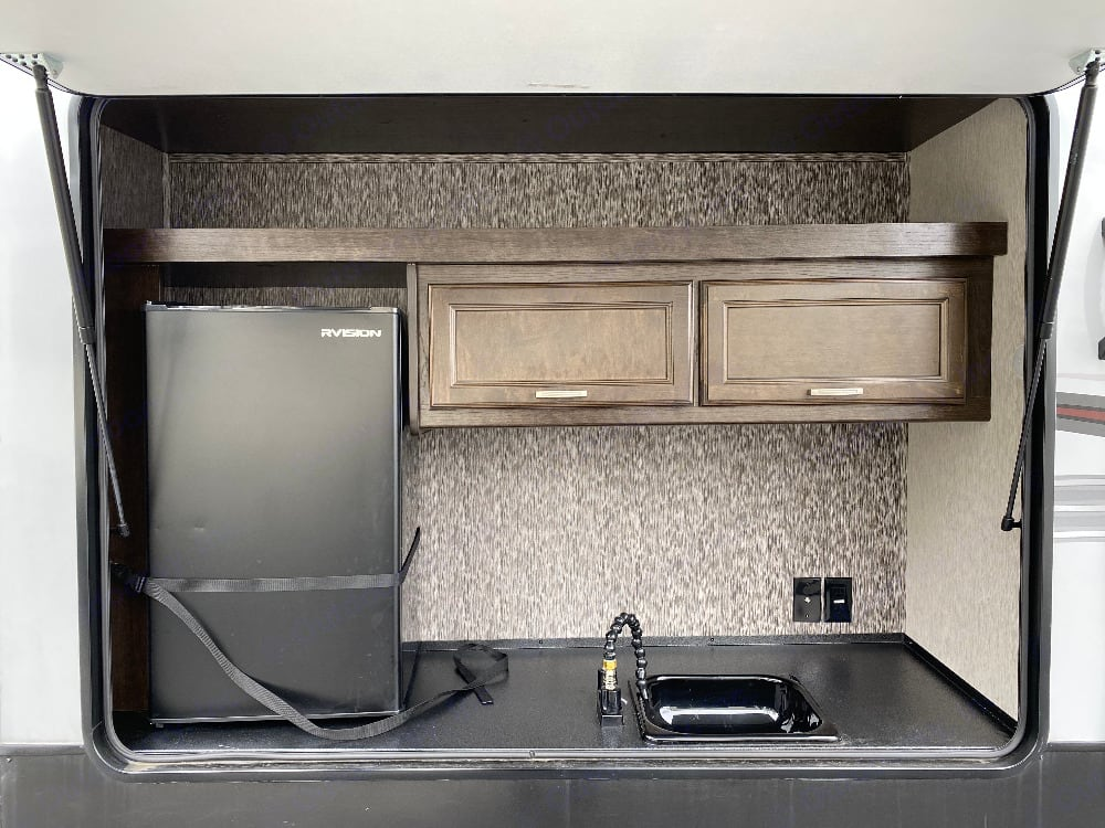 Outdoor kitchen. Heartland Pioneer 2019