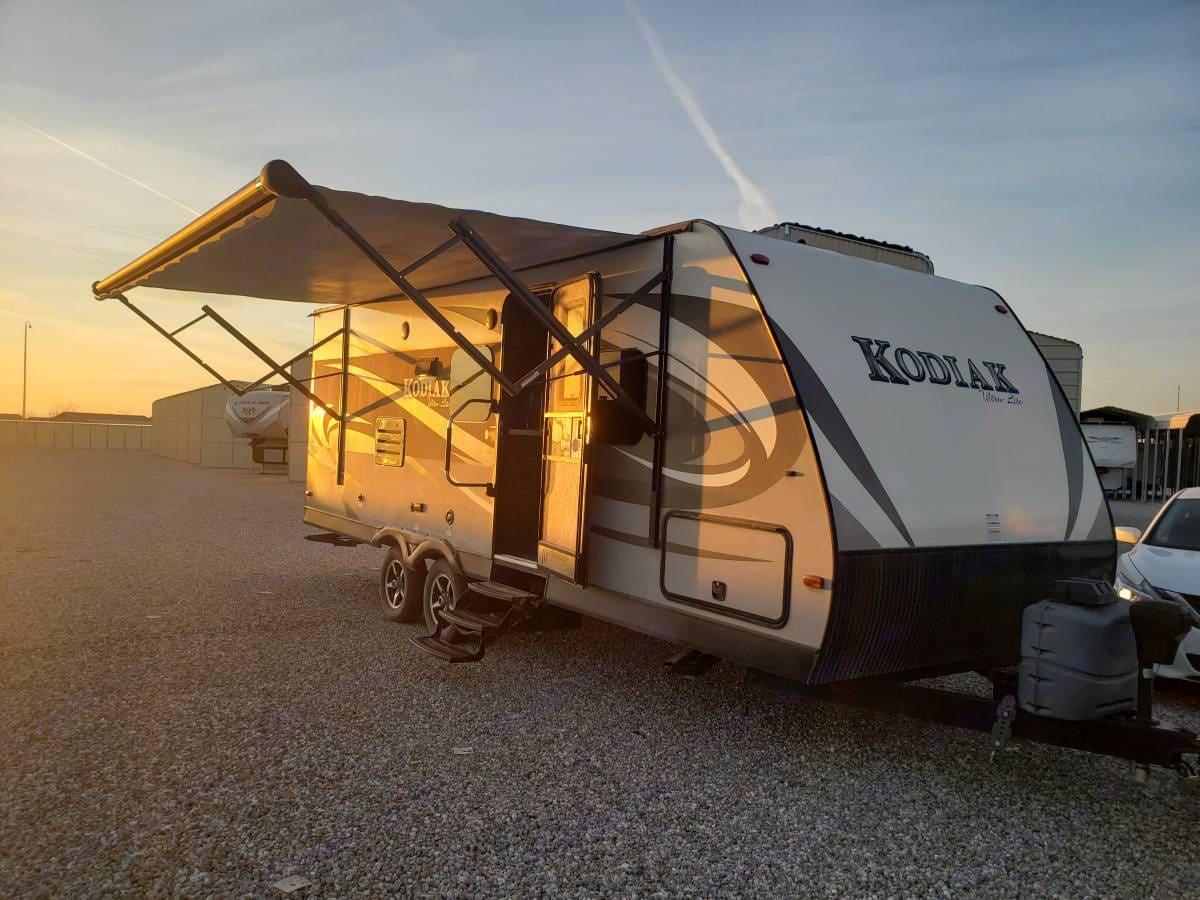 Dutchmen Kodiak Ultra Lite 2015