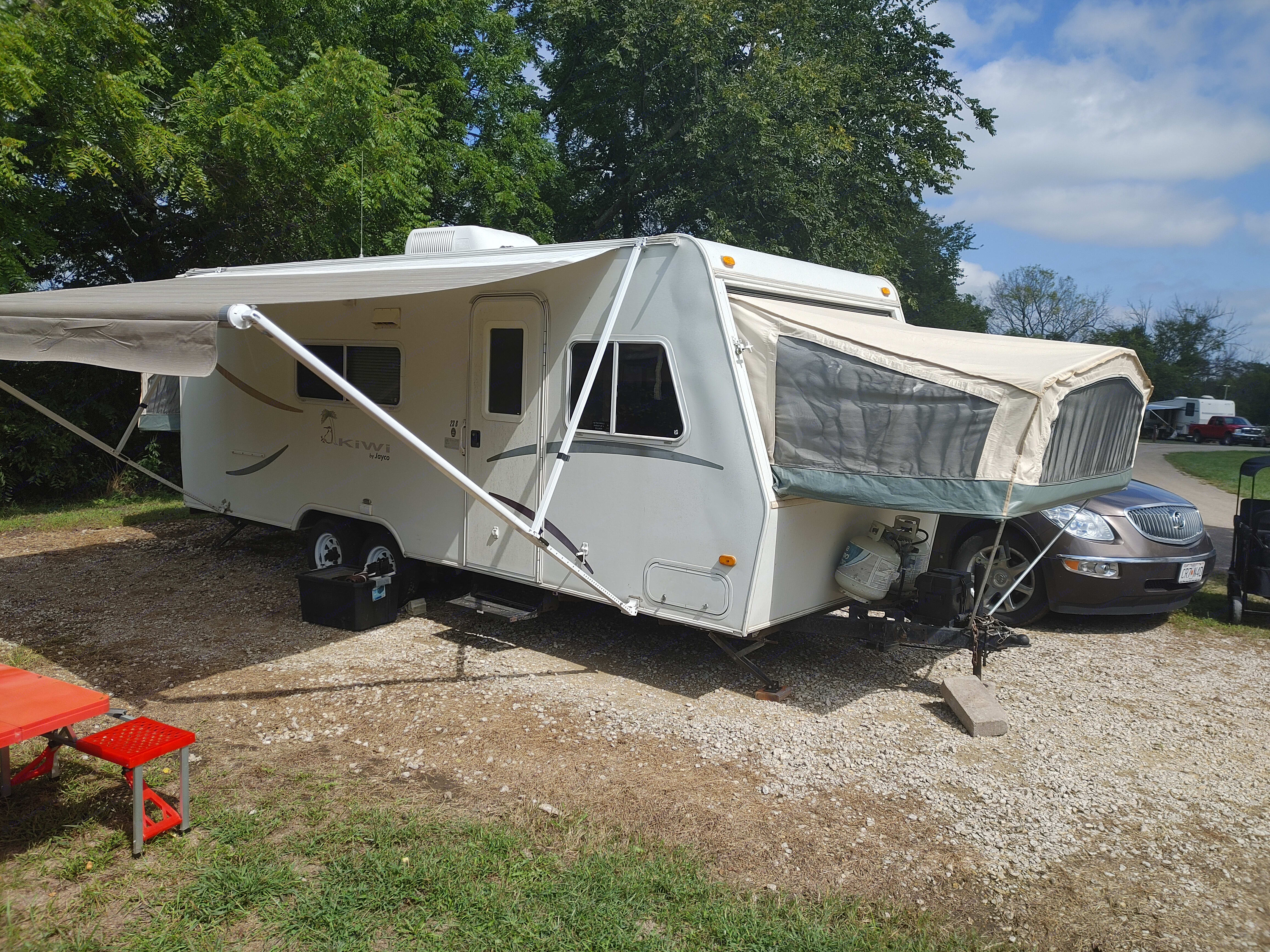 Exterior with canopy and pop outs. Jayco Kiwi 2003