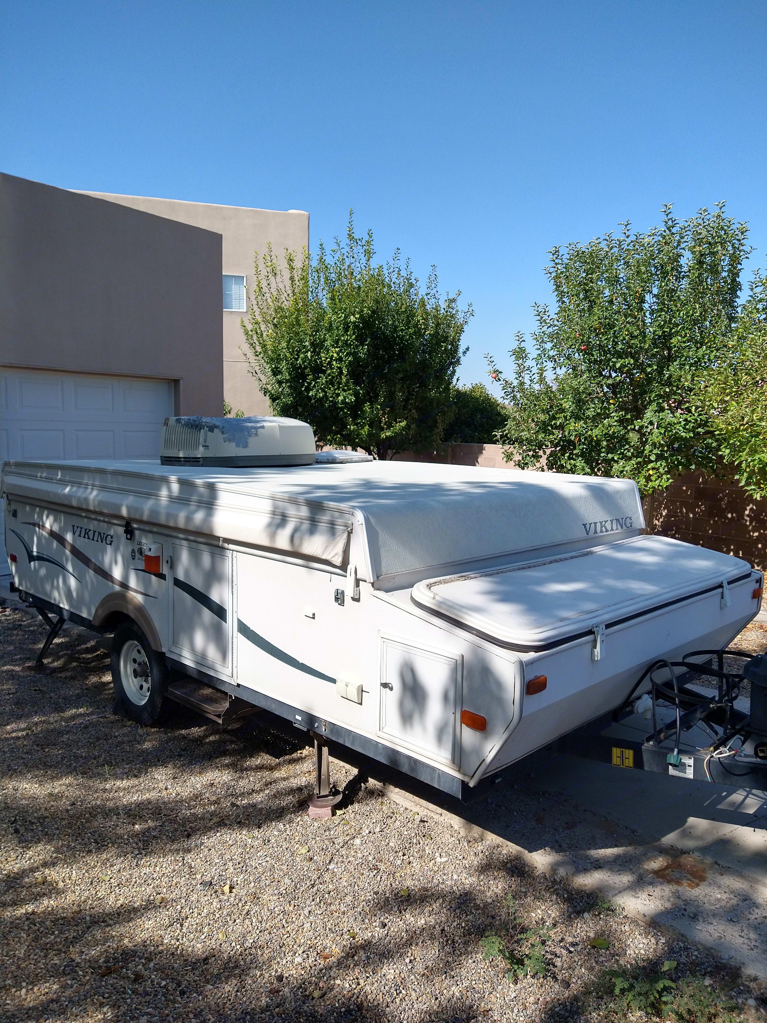 Pop-up camper. Viking 2470 ST Legend 2007
