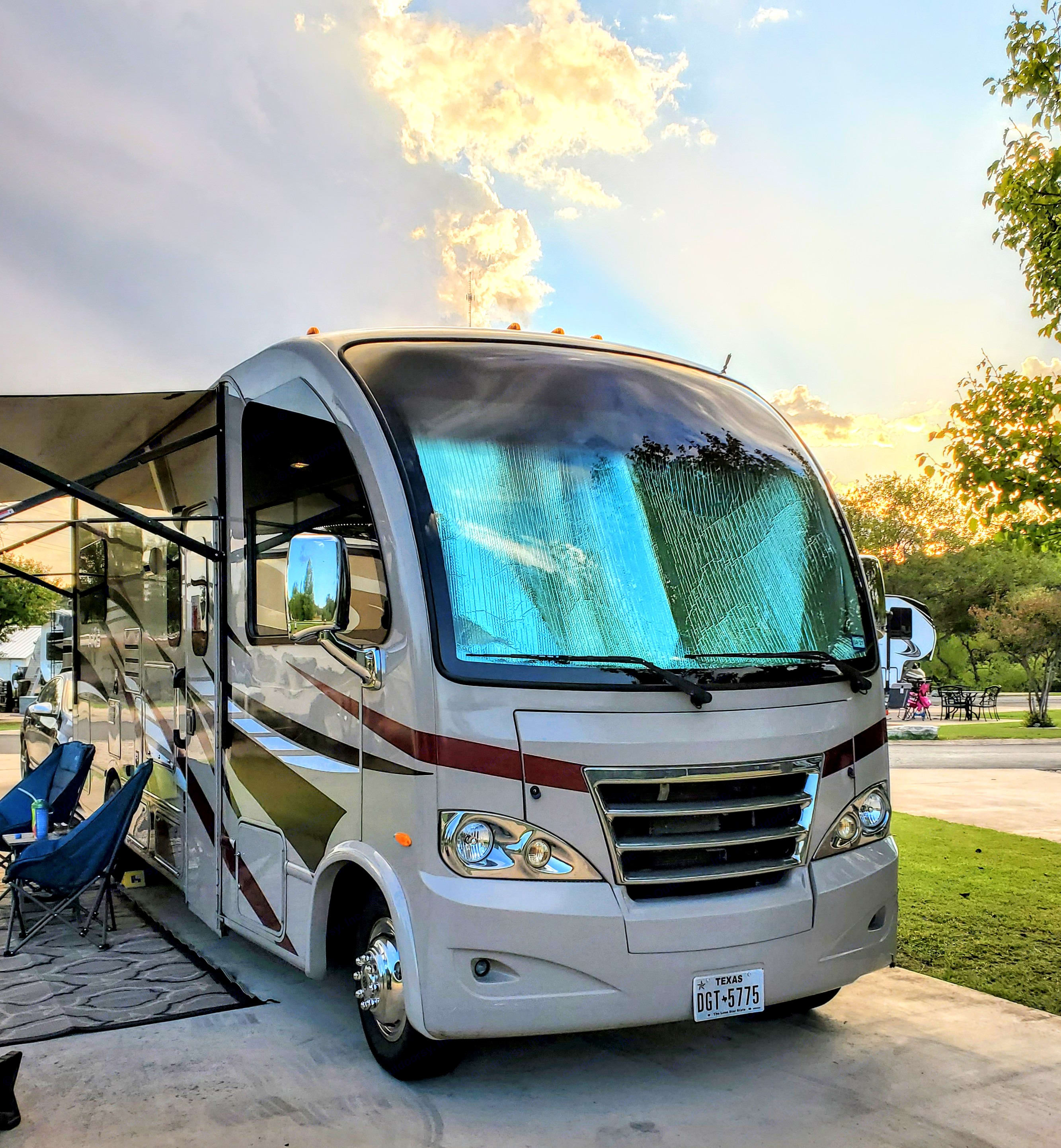 Max's 10 cylinder engine is the same one used as an option on the big 40 footers. You'll have plenty of power on tap.. Thor Motor Coach Axis 2015