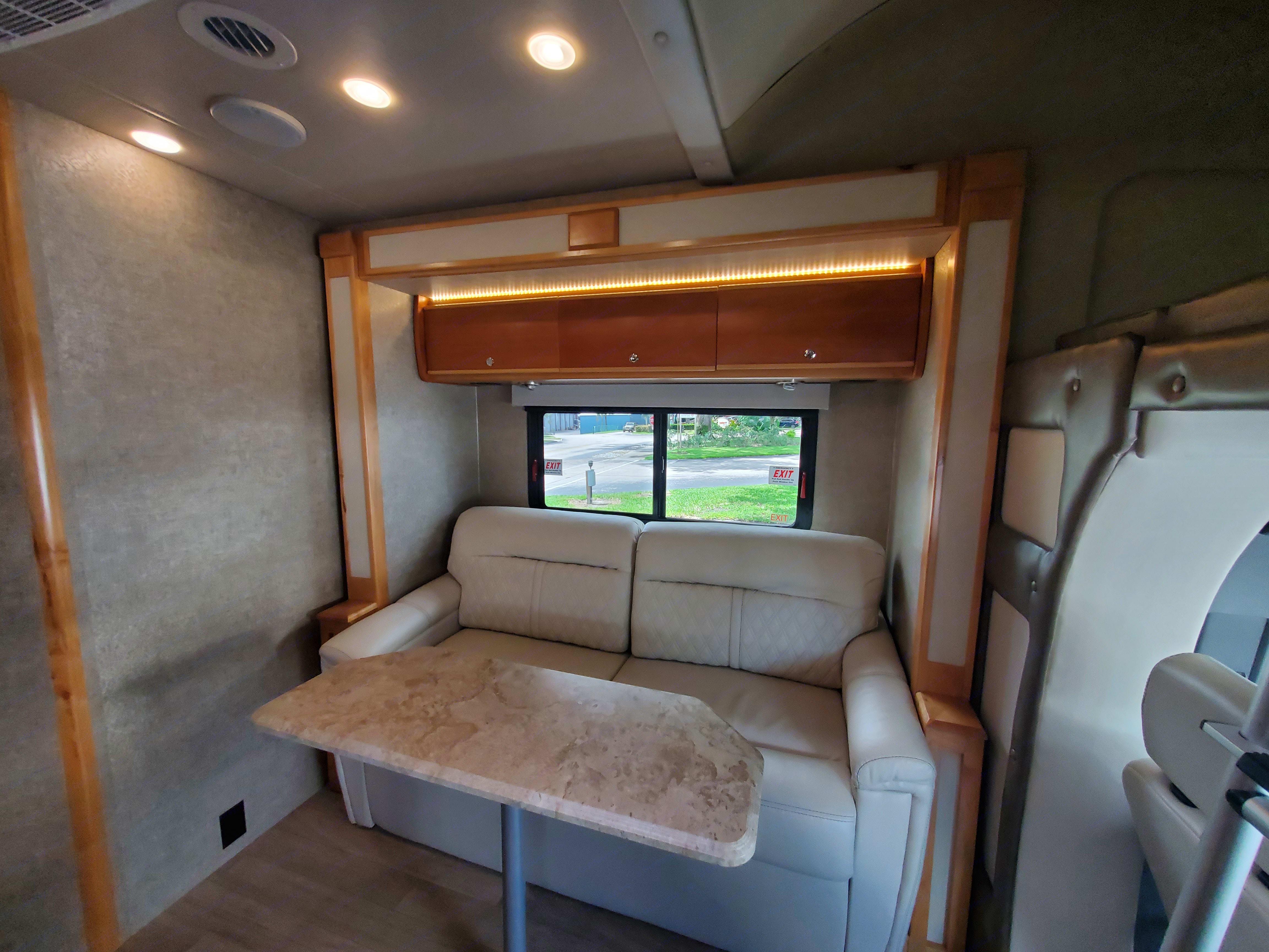 Mercedes-Benz Luxury Custom Coach by Tiffin 2017
