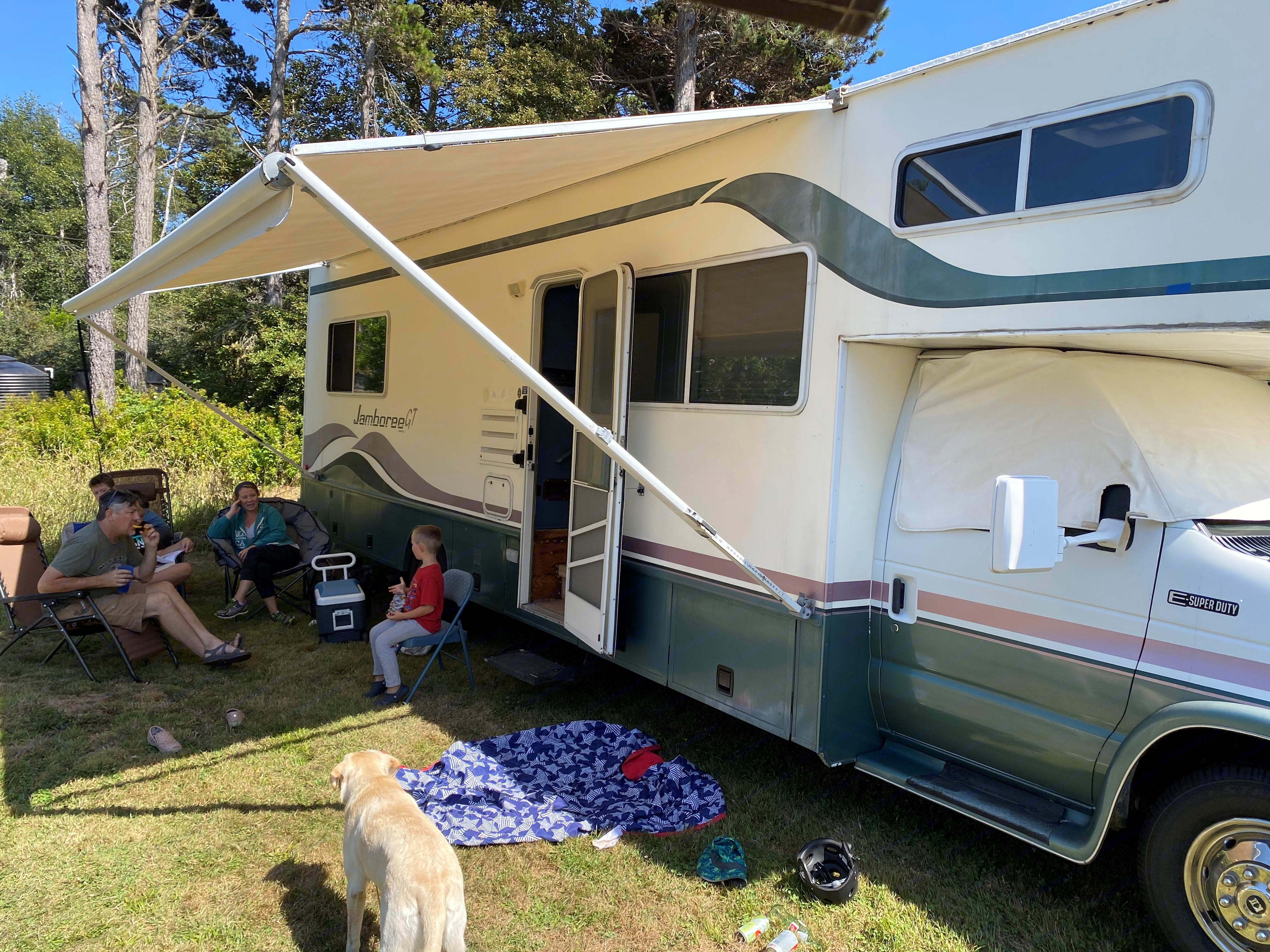 Large 20 foot Awning - easy to operate. Fleetwood Jamboree GT 1998