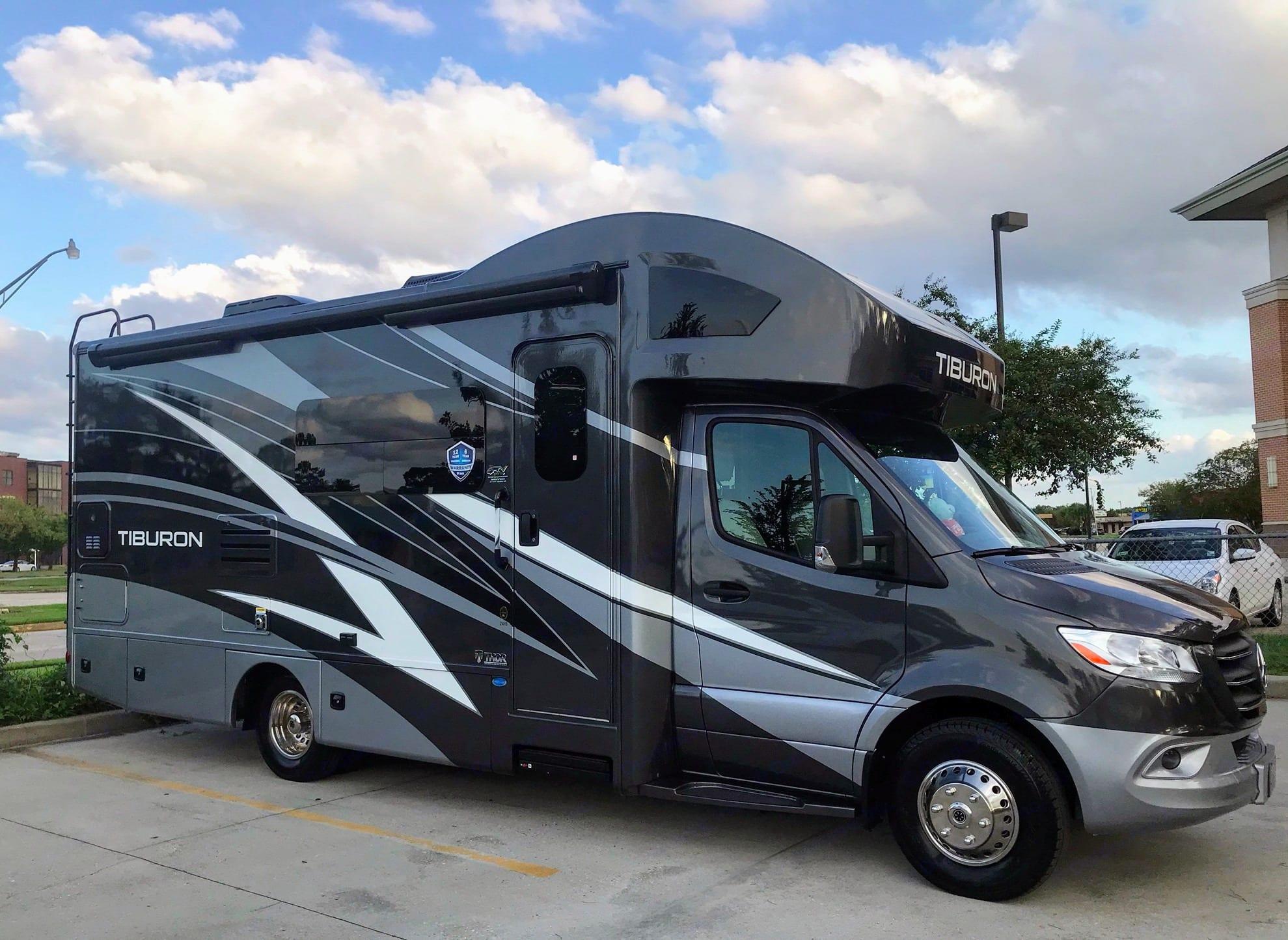 Thor Motor Coach Tiburon 2021