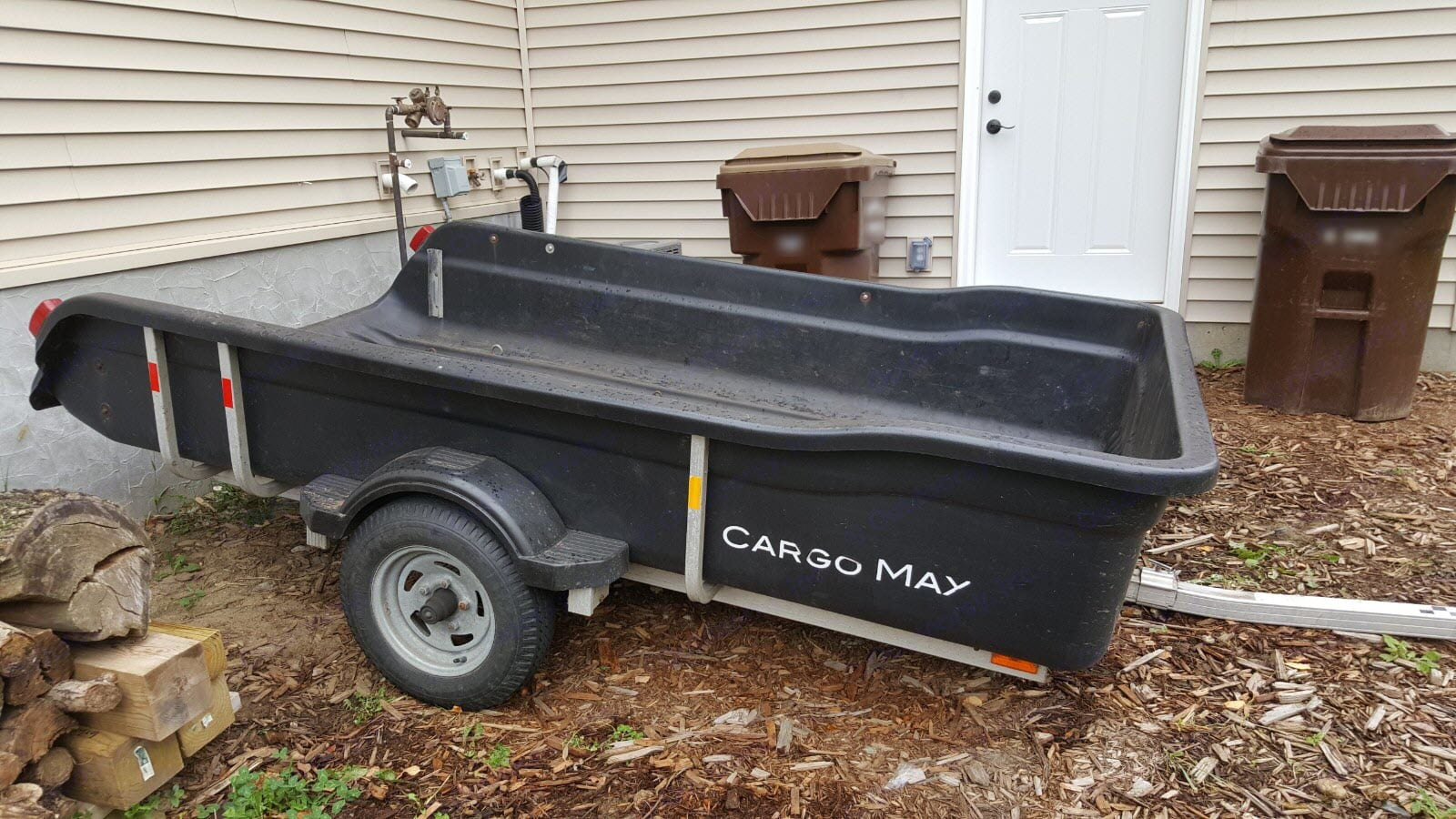 Side View of Trailer. Floe Cargo Max 2013
