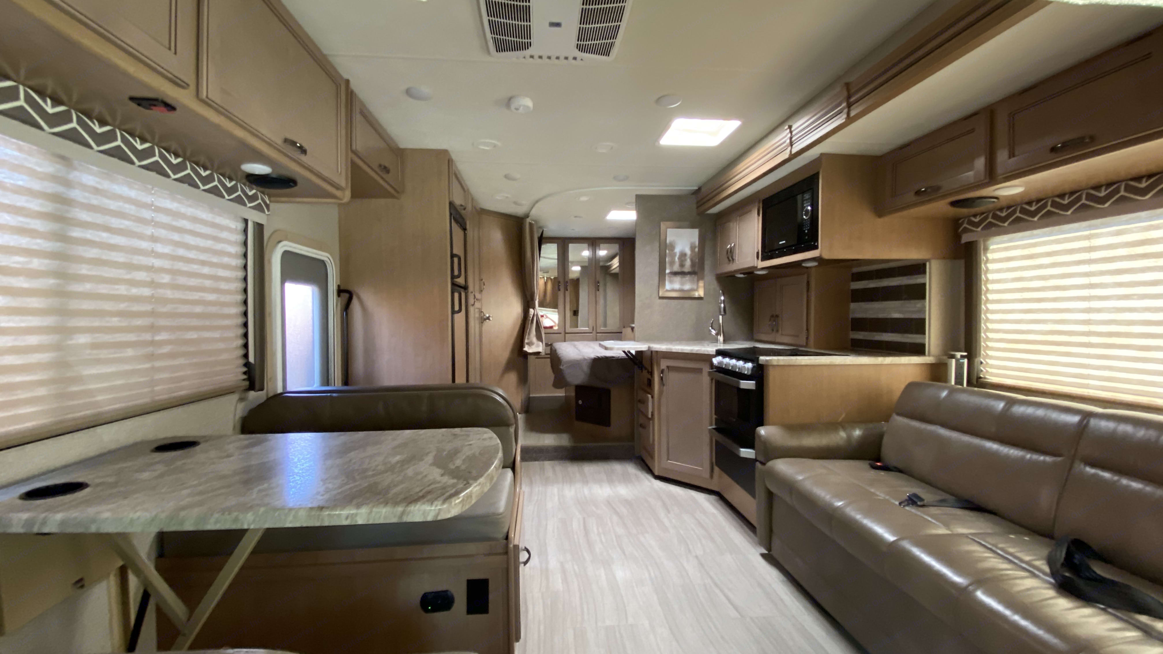 Largest open area of any sub-30ft RV with a 3ft slide out of the entire driver-side.. Thor Motor Coach Daybreak 2020