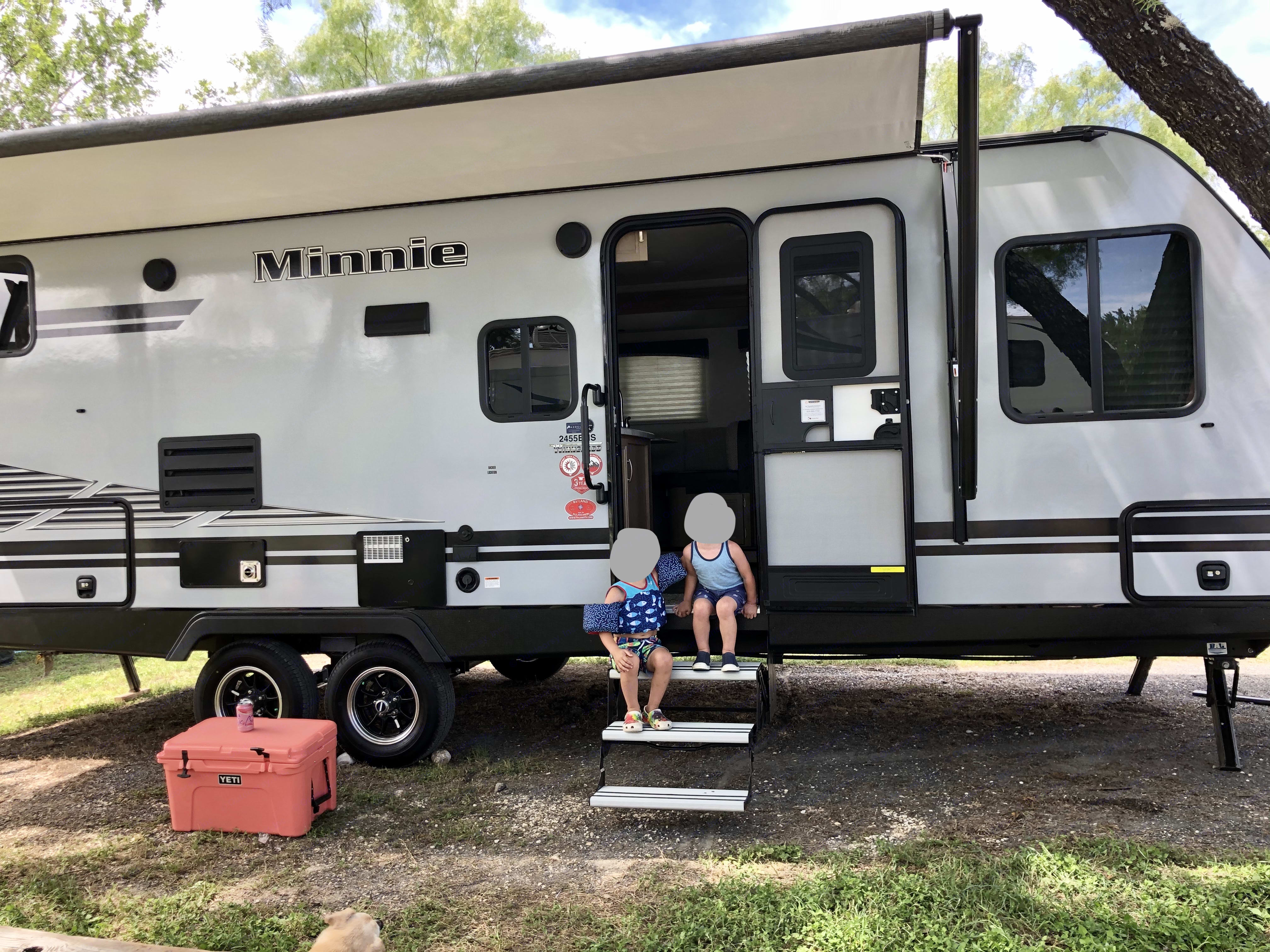 Nana's RV is a dream come true directly across from Garner SP and right on the Frio River! Pack your tube and start relaxing.. Winnebago Micro Minnie 2020