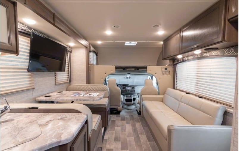 Thor Motor Coach Chateau 28Z 2021