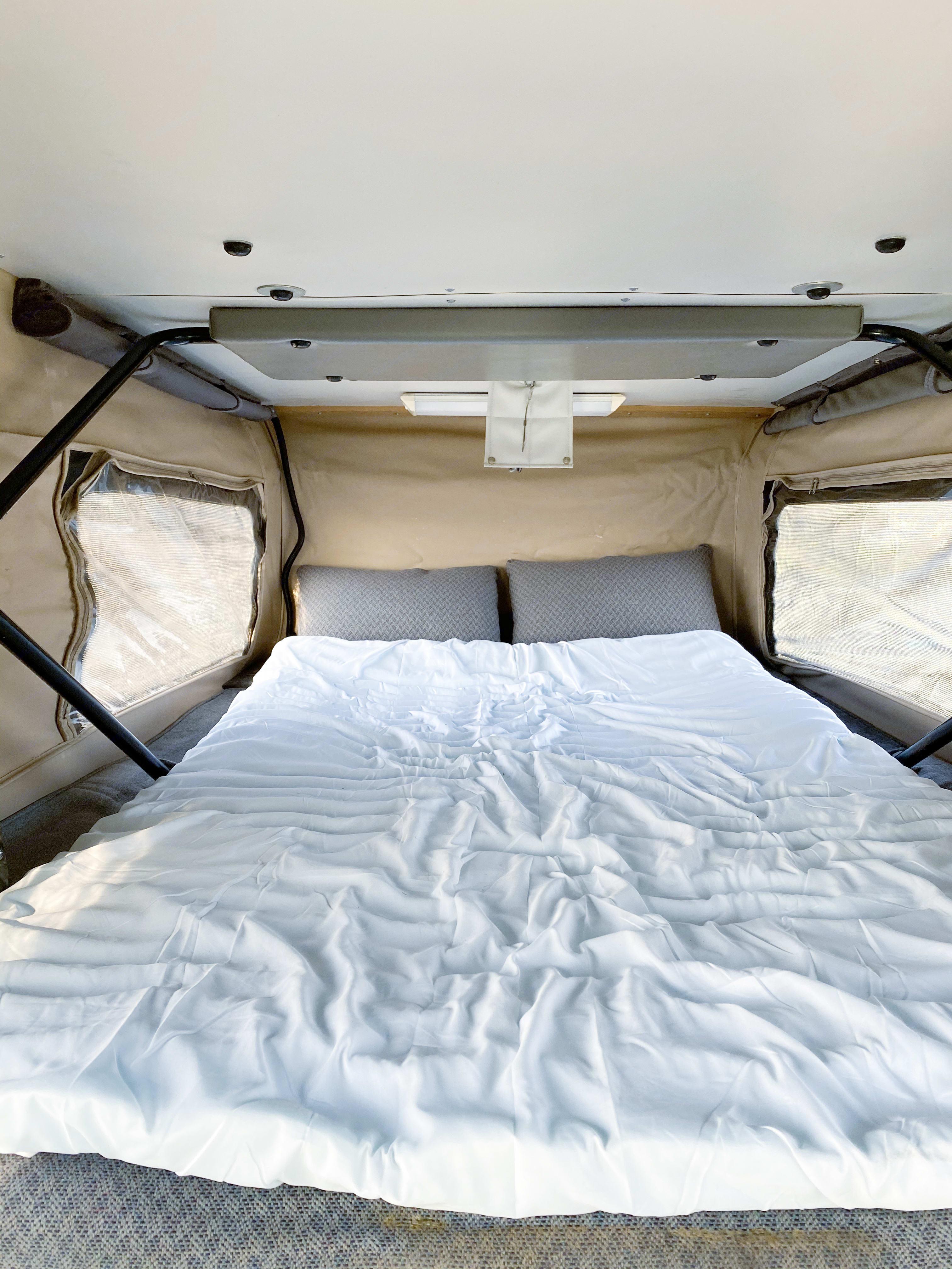Penthouse full size bed. Sportsmobile E350 2003