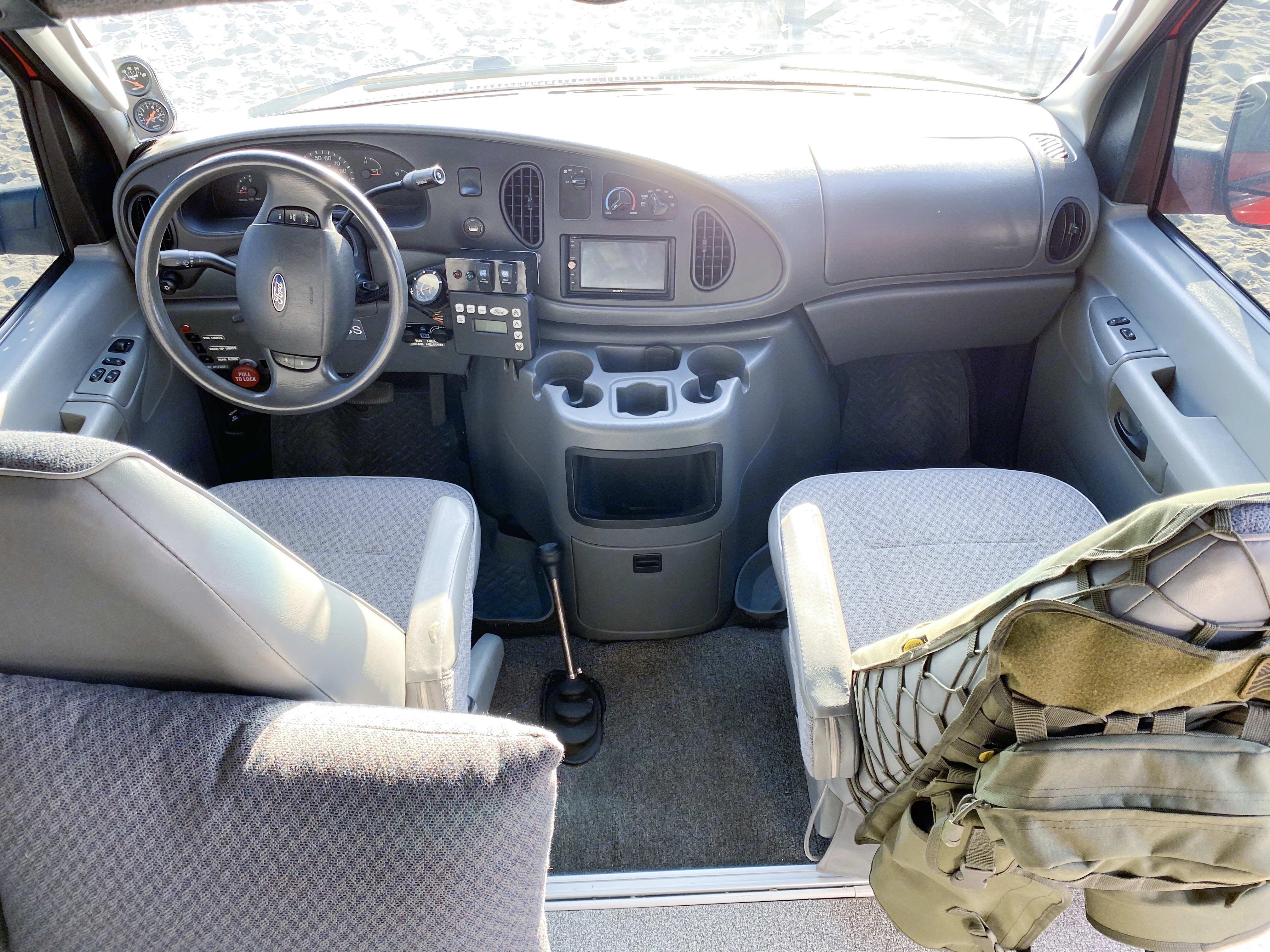Front seats. Sportsmobile E350 2003