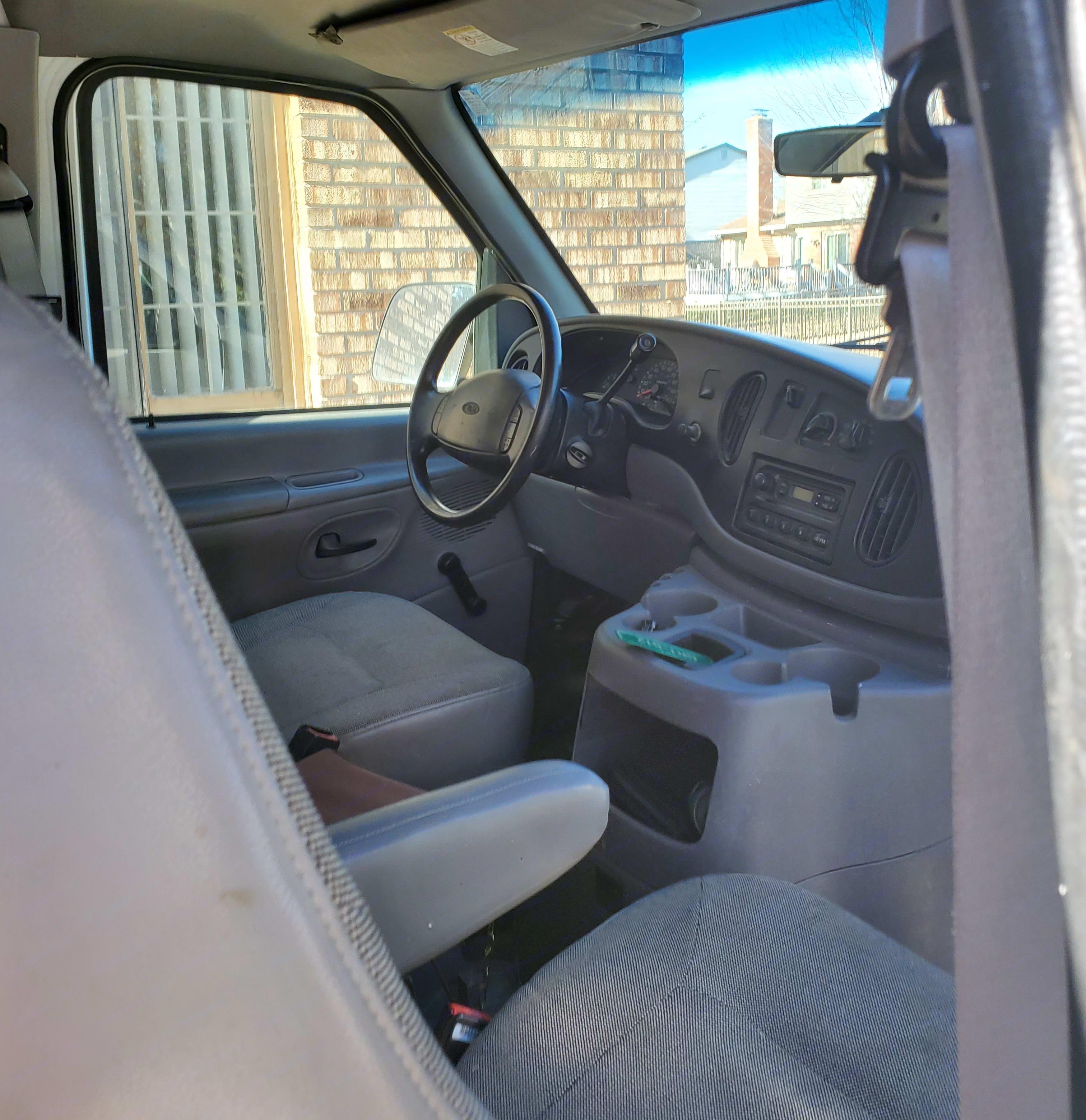 Ford Econoline E250supercab 2001