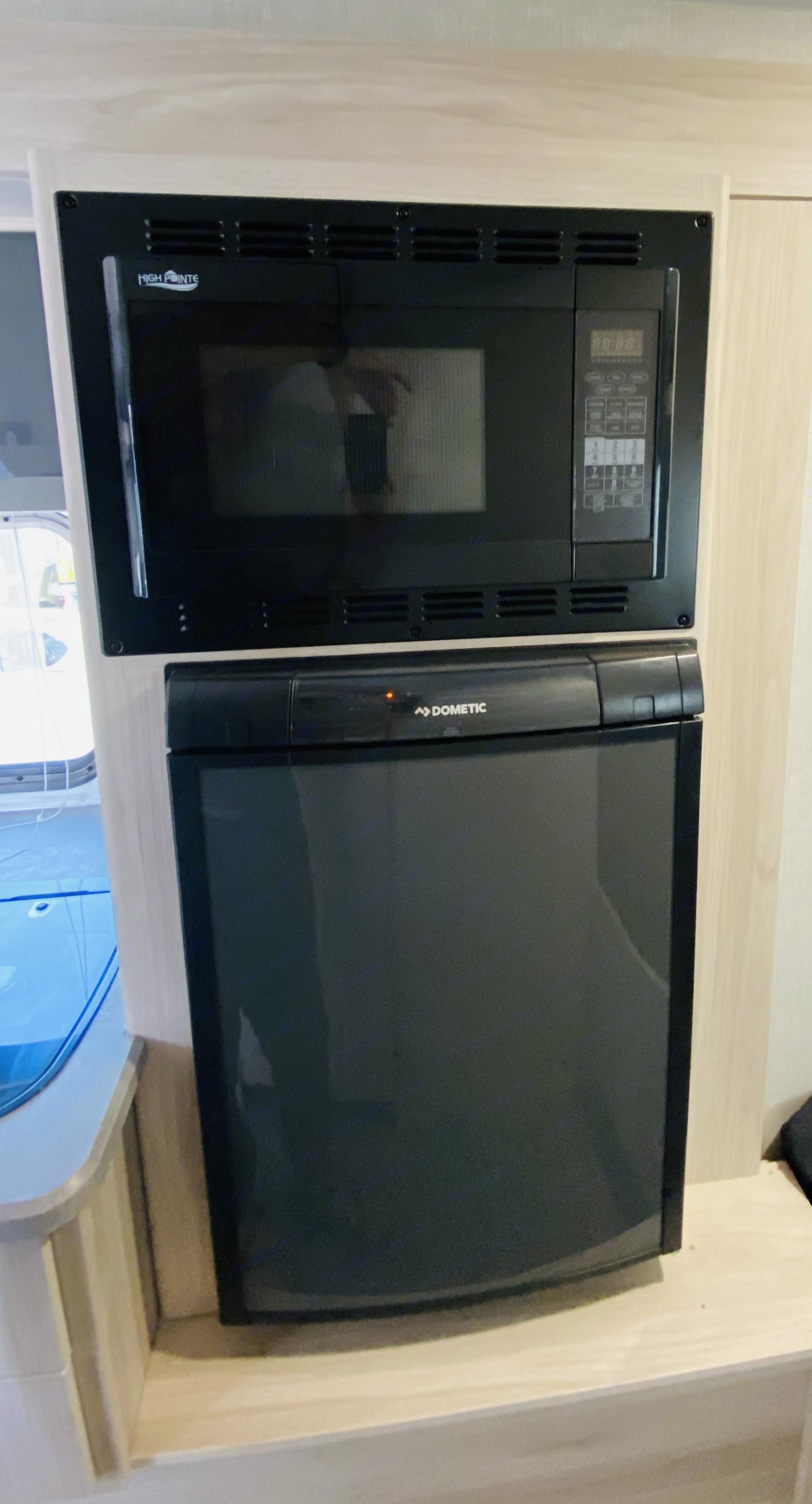 Fridge and Microwave. Winnebago Other 2021