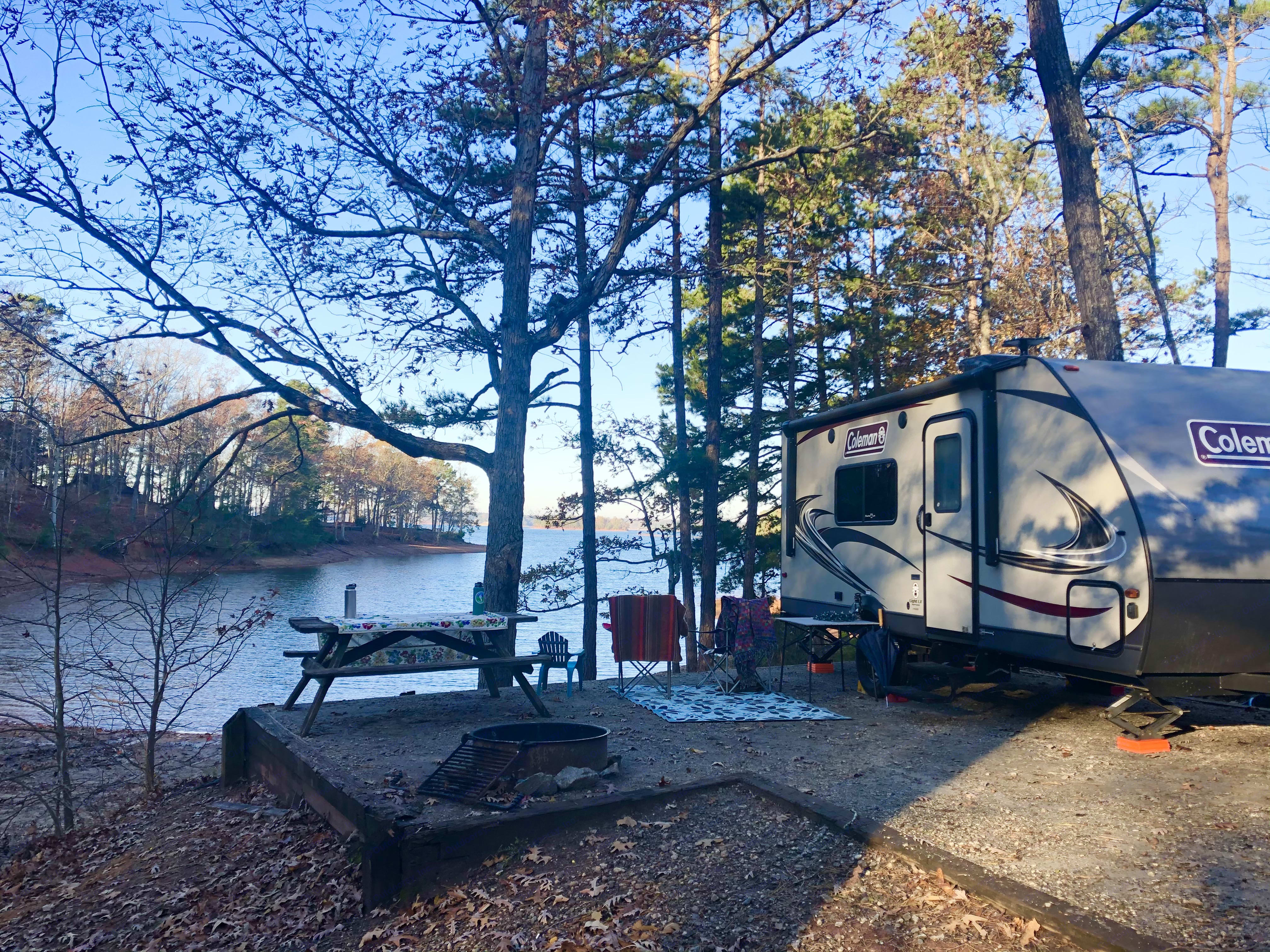 Camping at Sadler's Creek Campground. Coleman Light LX 1705rb 2019