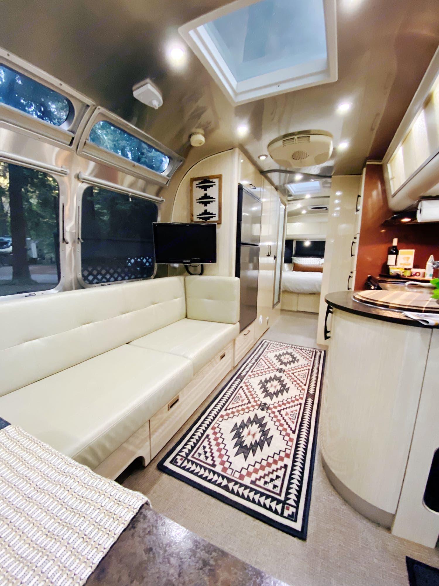 Airstream International Serenity 2011