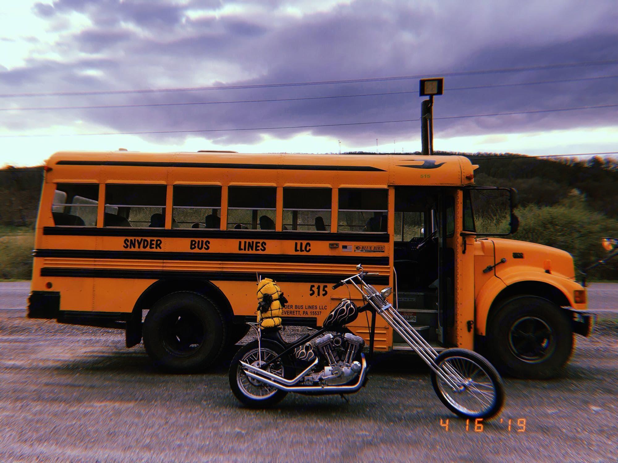 international school bus 2000