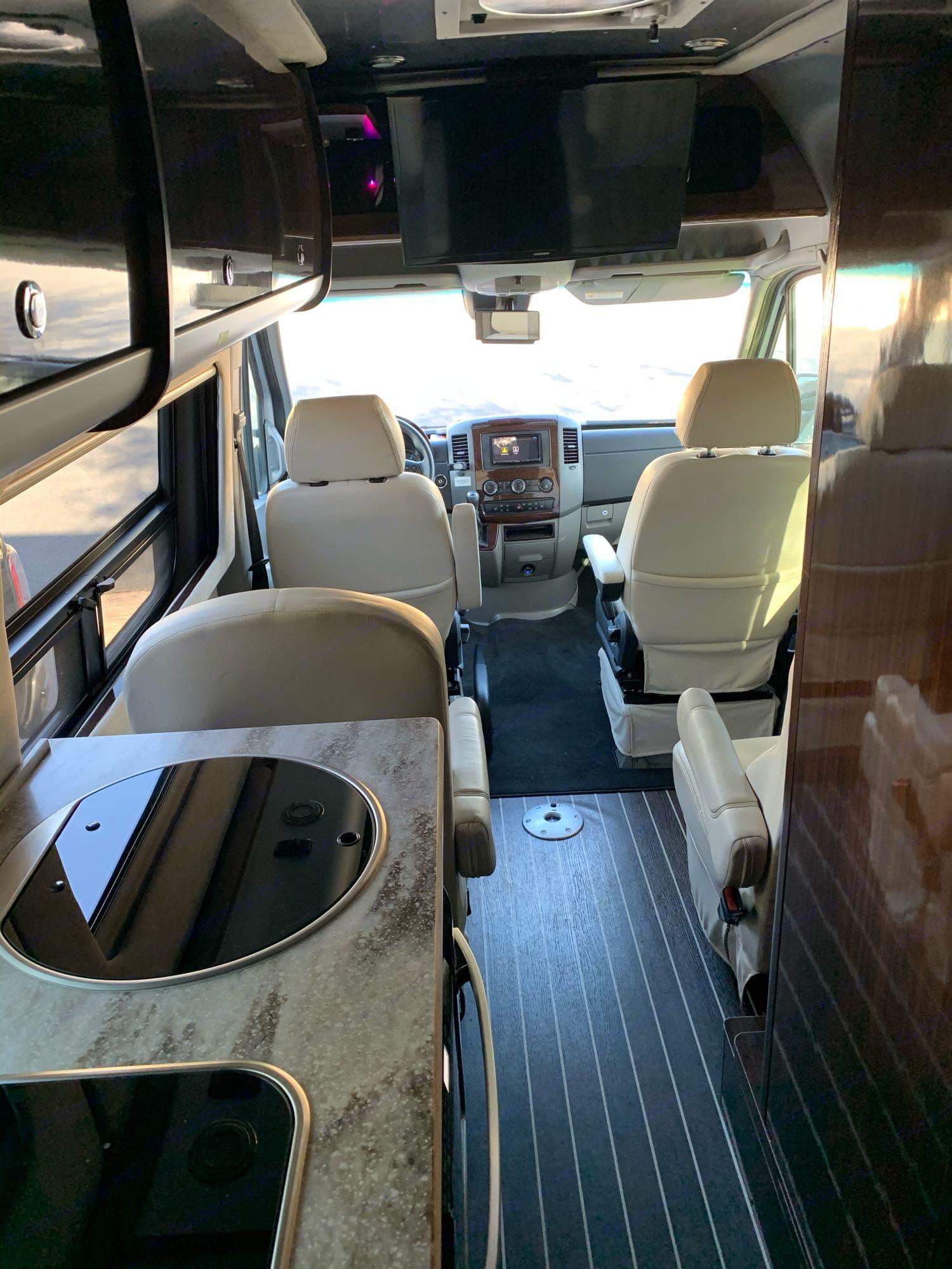 Mercedes-Benz Interstate Lounge 2016