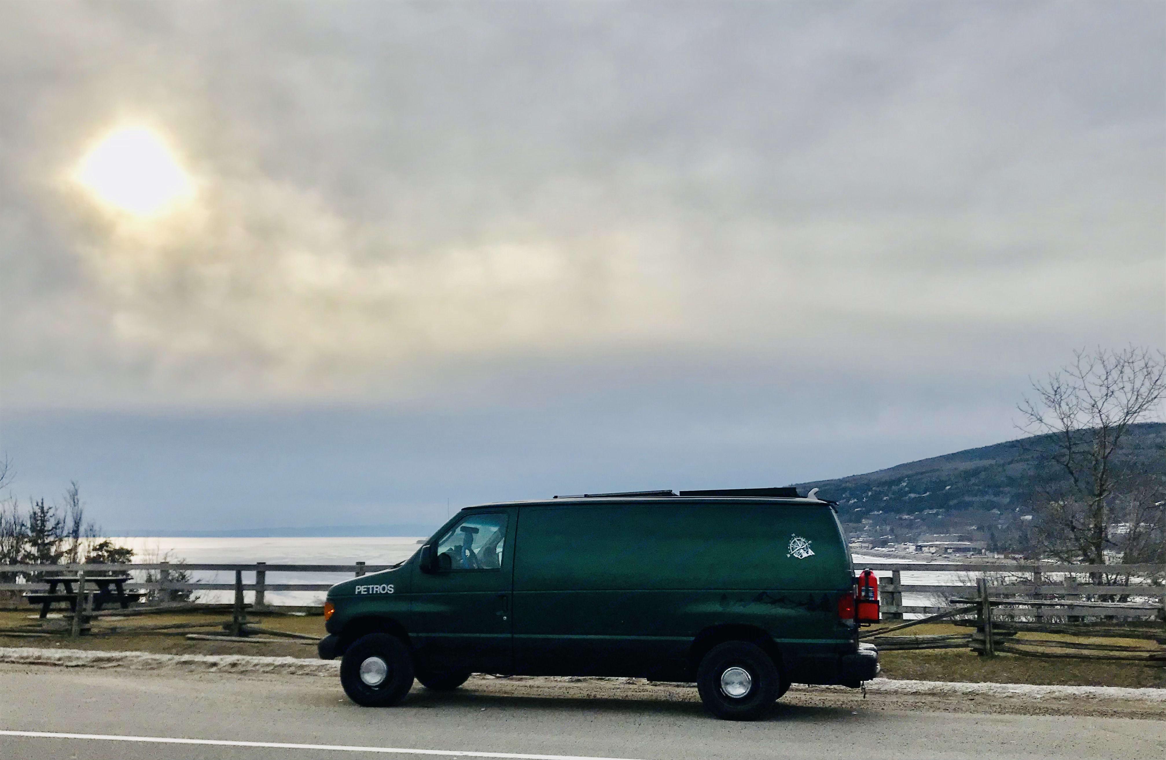 Ford E350 Van 2003