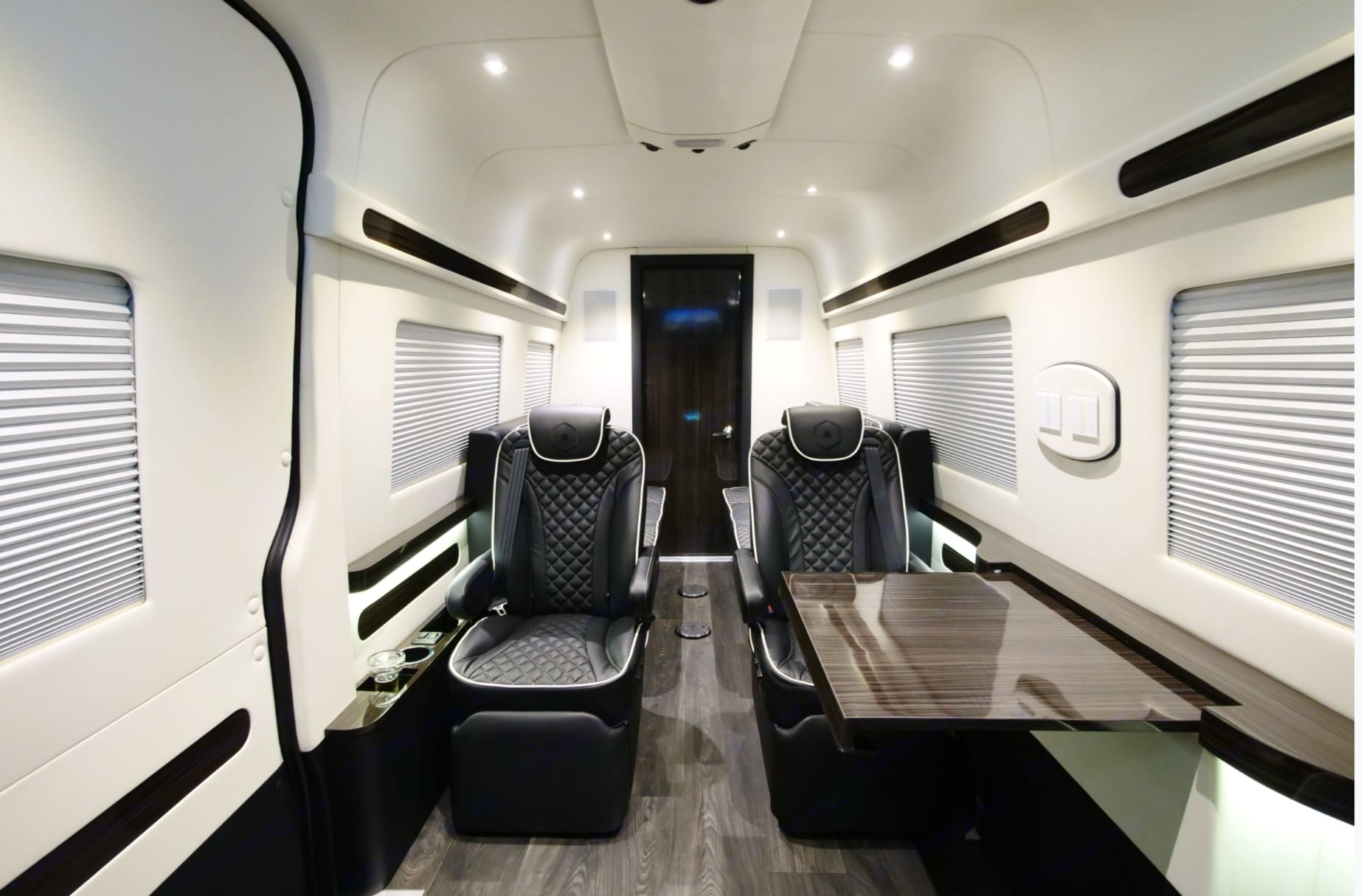 Ready to increase capacity, productivity and creativity on the move.. Mercedes-Benz Custom Coach 2018