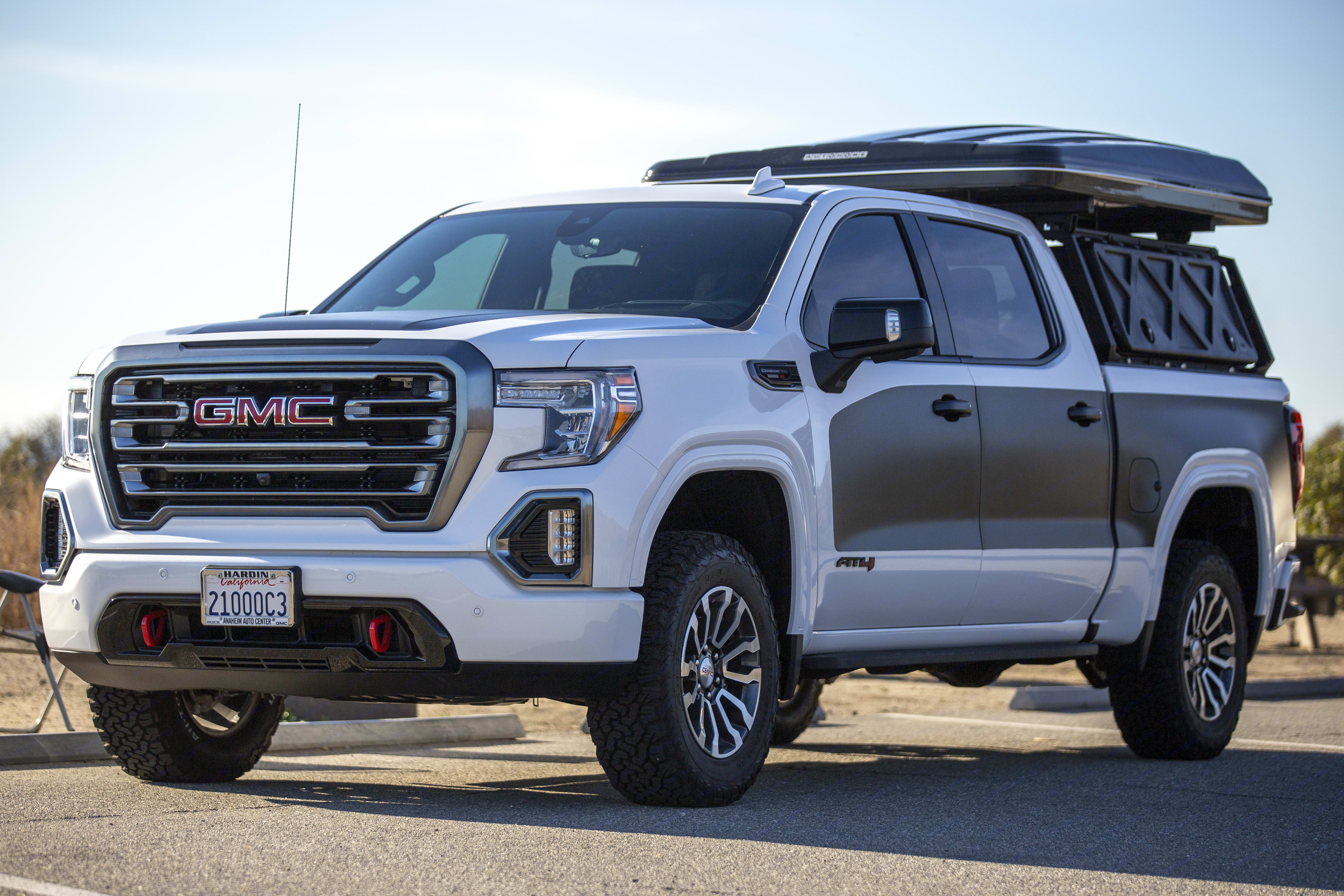 Tent aerodynamic on the road, yet allows for storage of bedding and pillows in back side of hard shell cover.. GMC Sierra 1500 AT4 Duramax Diesel 2021