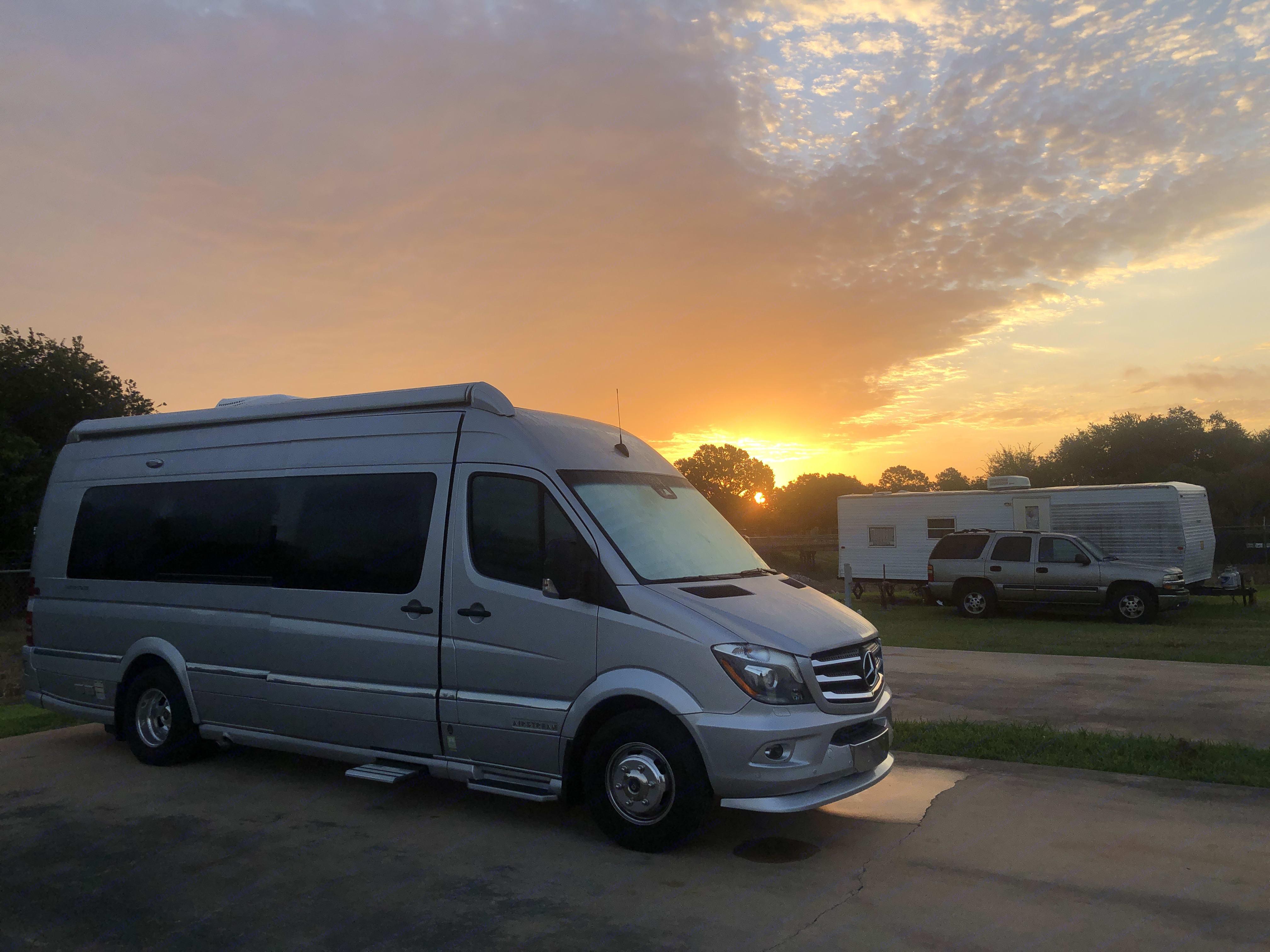 Elks Lodge, Houston, TX. Airstream Interstate 2018